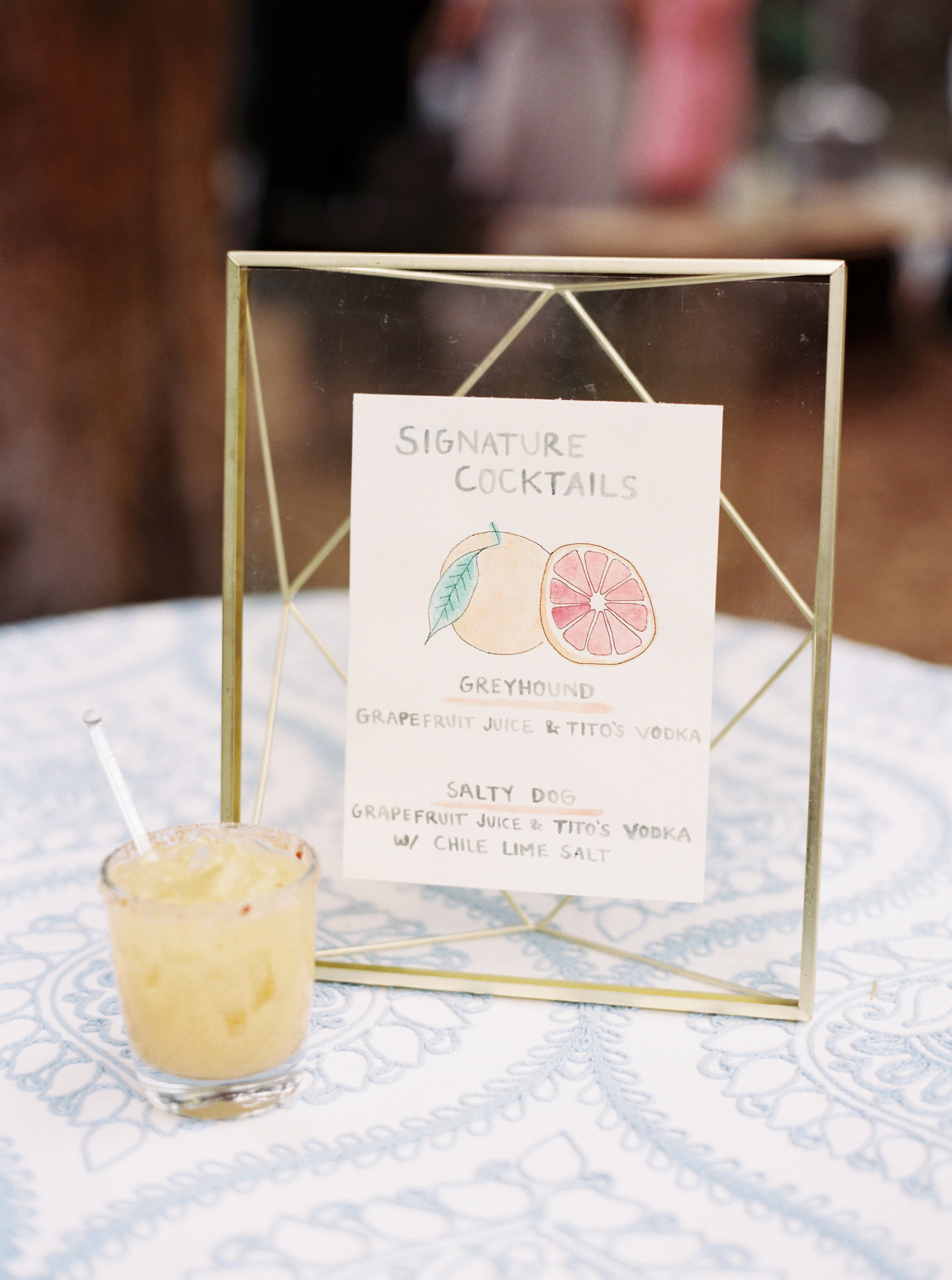 The Dos and Don'ts to Keep in Mind as You Choose Your Fall Wedding's Signature Cocktails