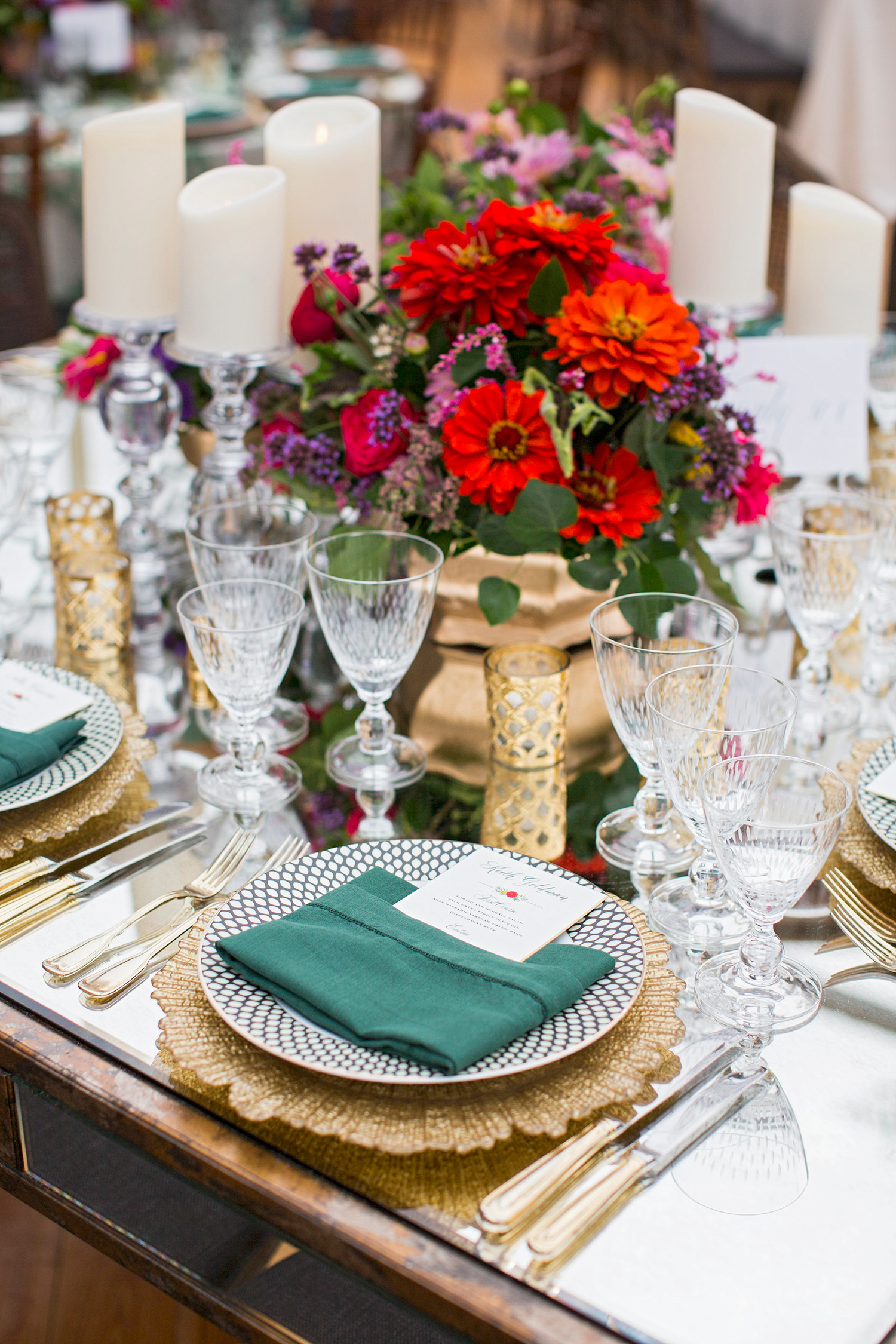 madelyn jon wedding place setting