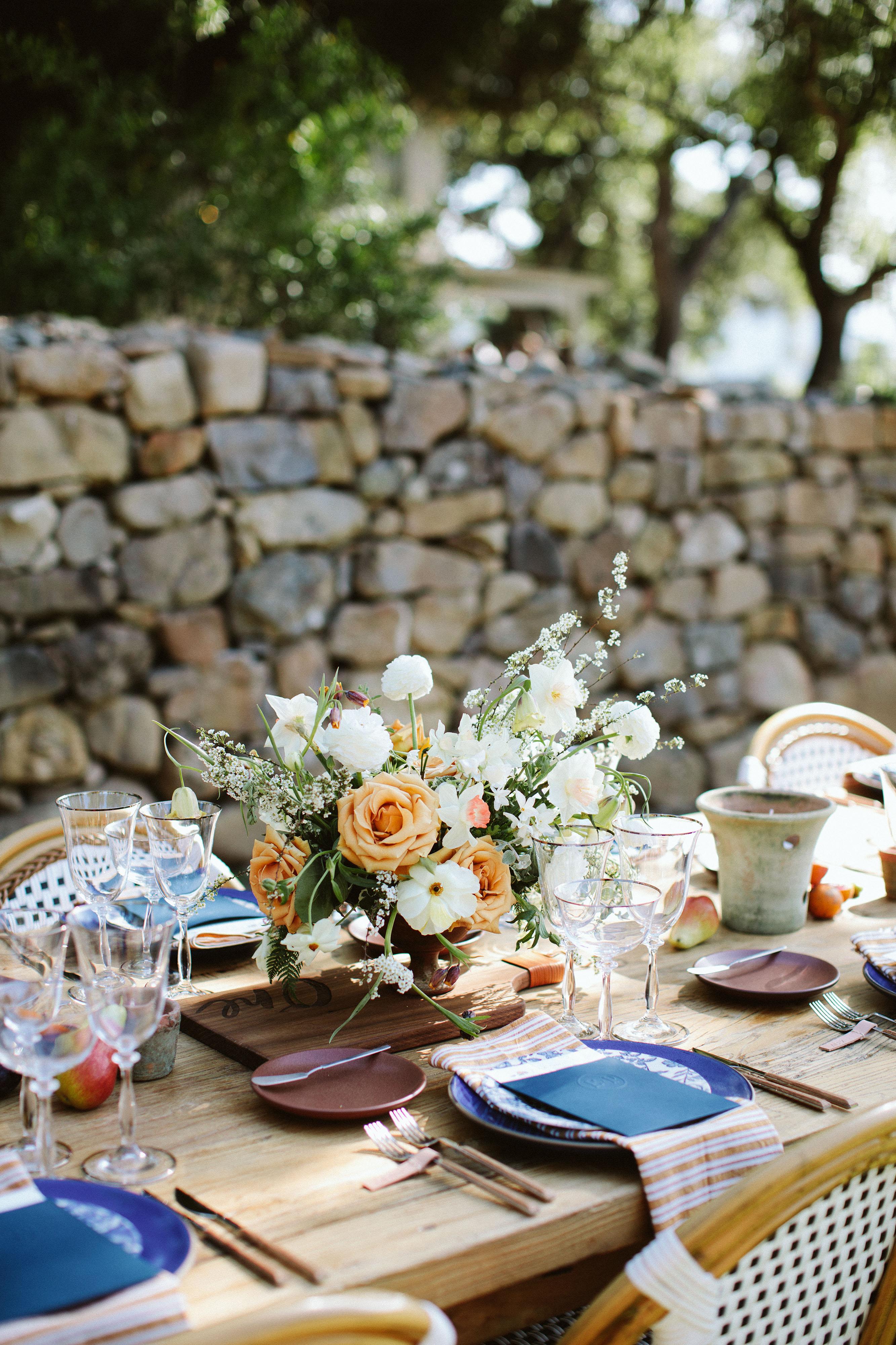 eliza peter wedding table centerpiece flowers