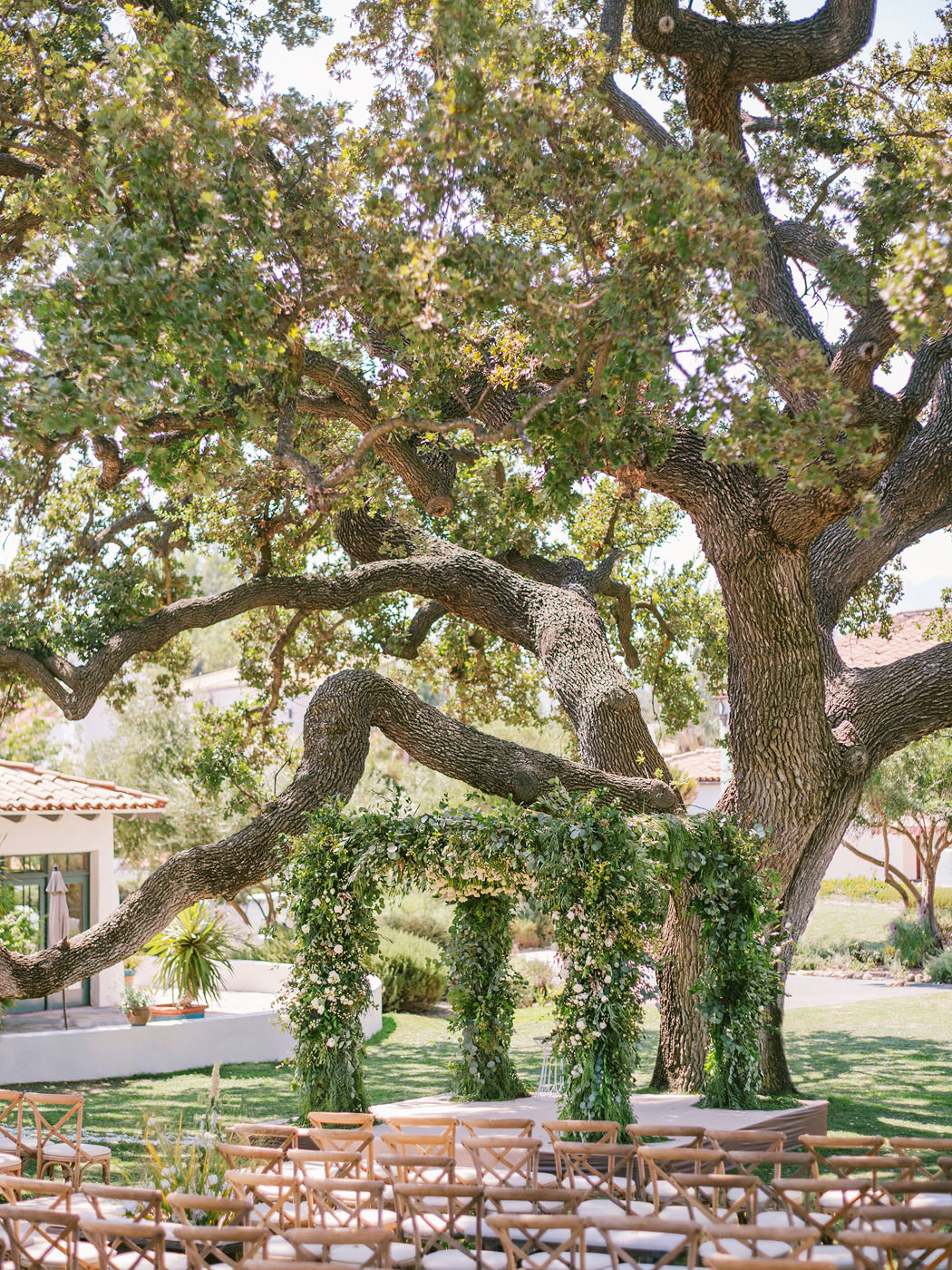 cassandra ben wedding california arch