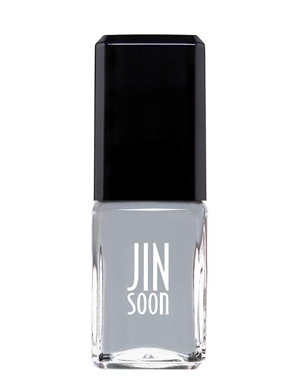 grey fingernail polish