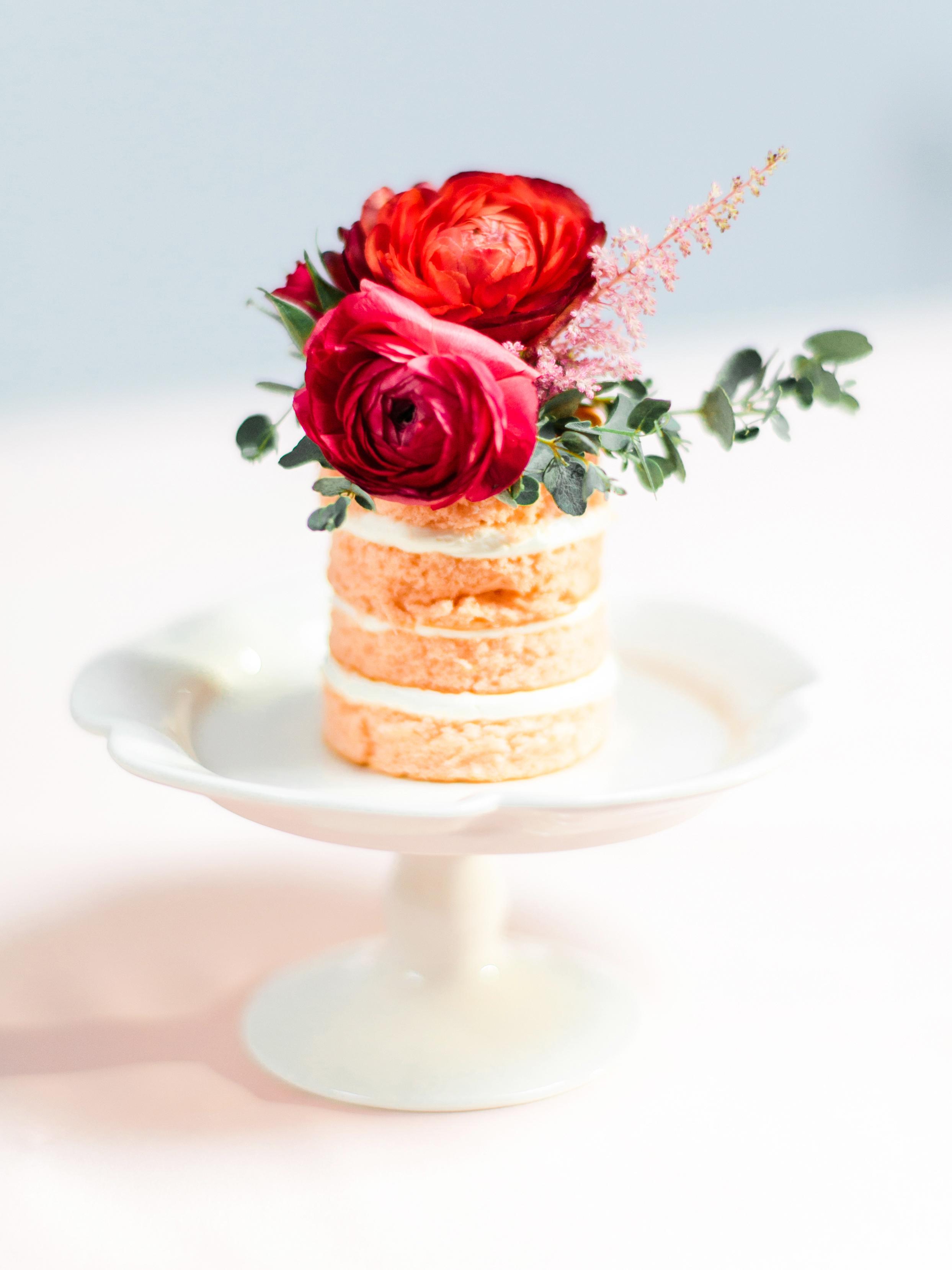 white naked individual cake