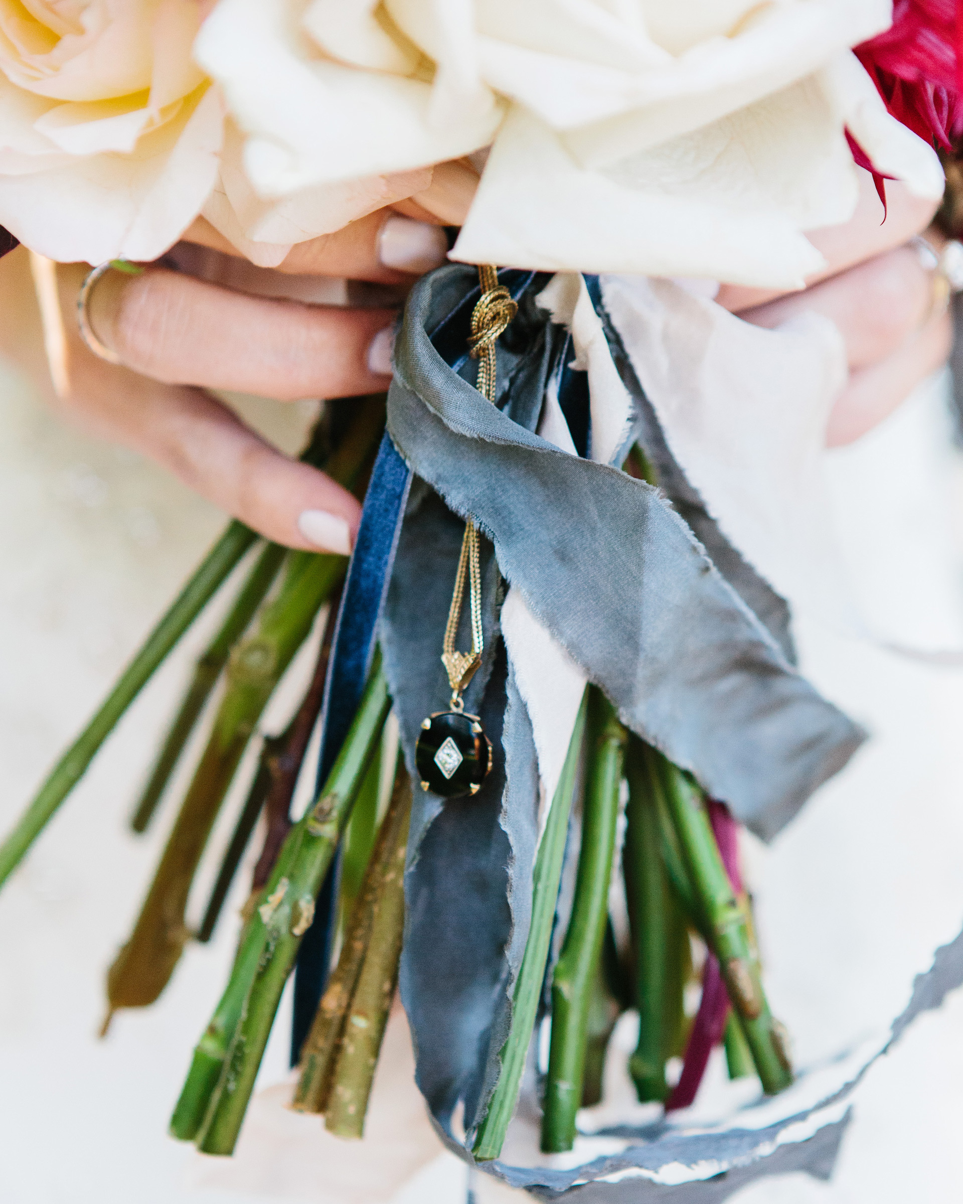 Tips for Honoring Deceased Loved Ones at Your Wedding