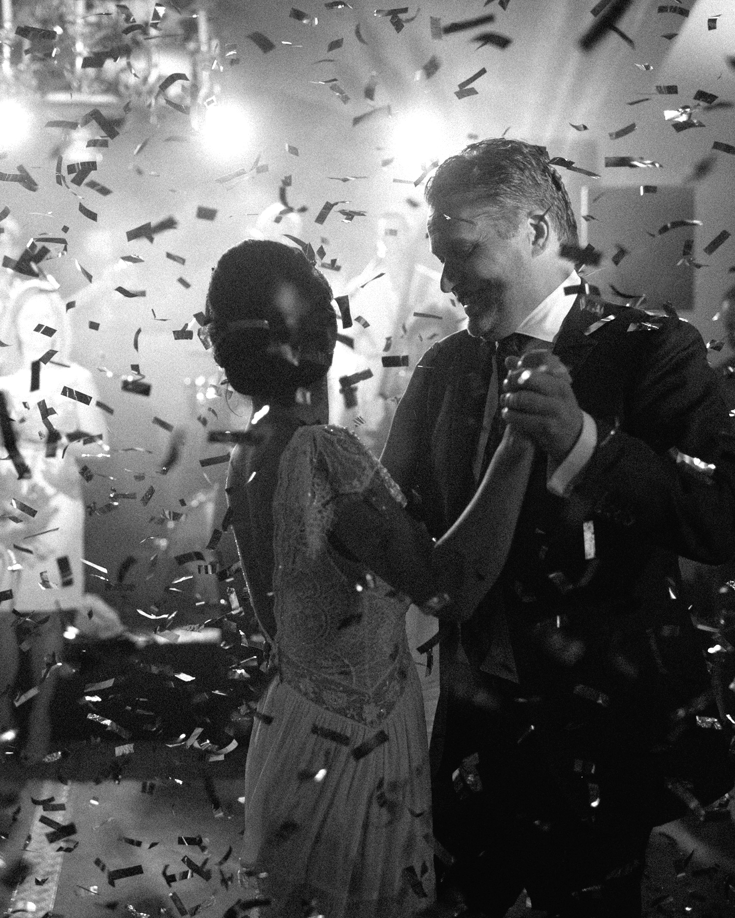 jannicke paal france wedding dance with confetti