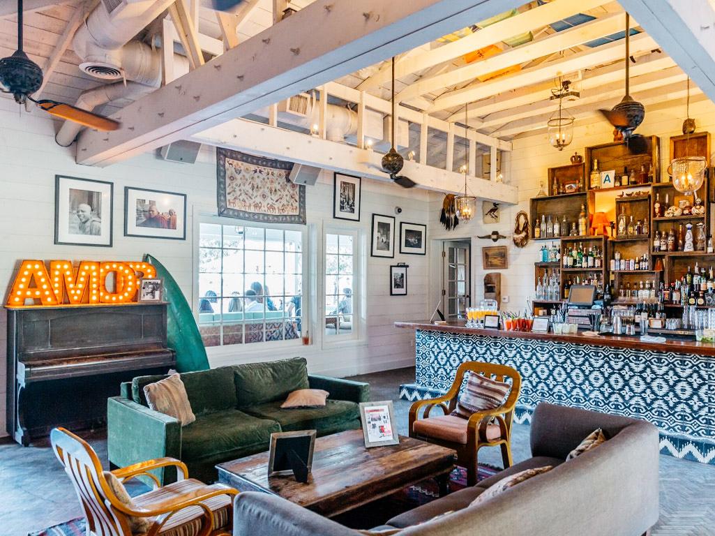 bar lounge areas