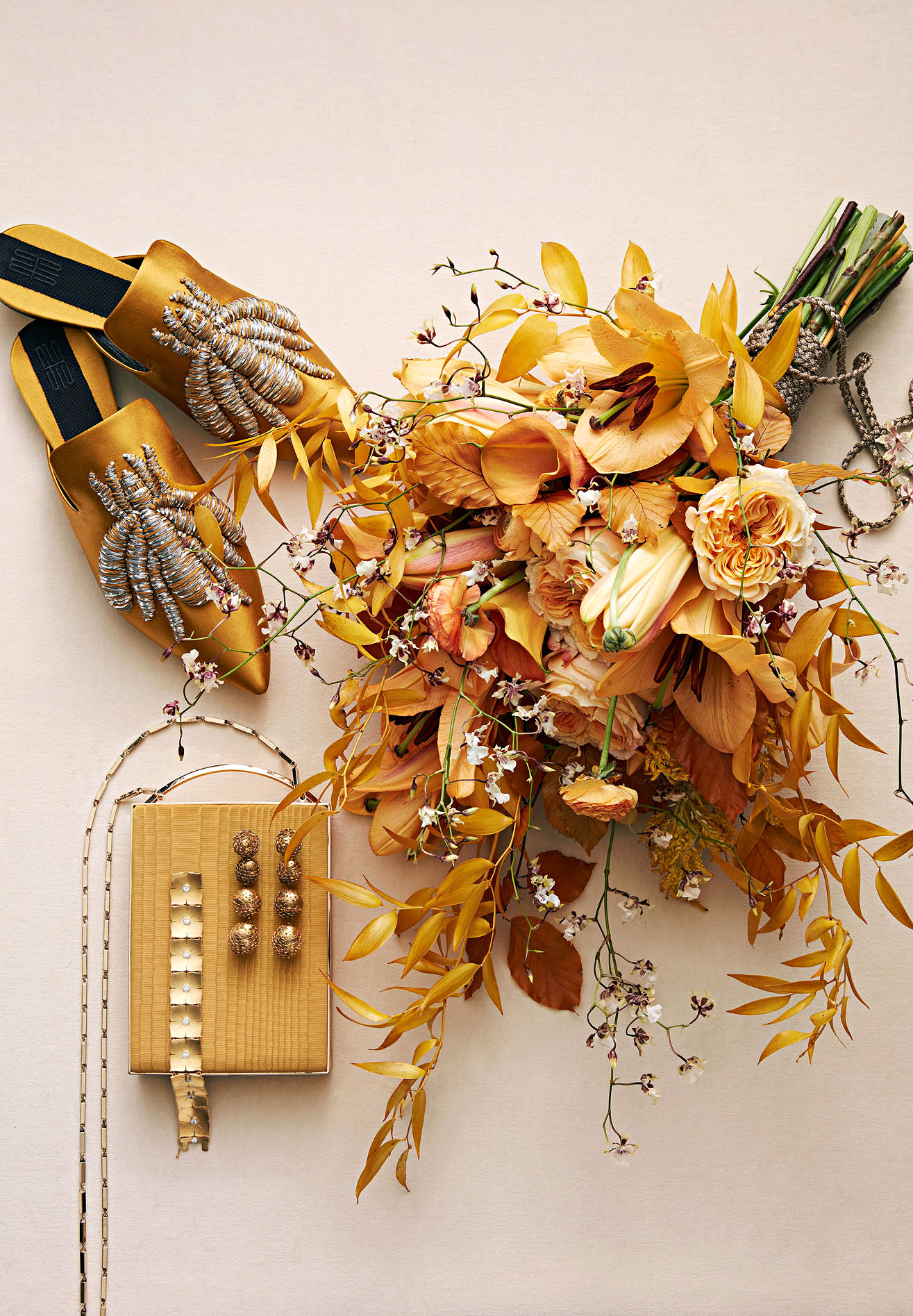 gold bouquet and accessories