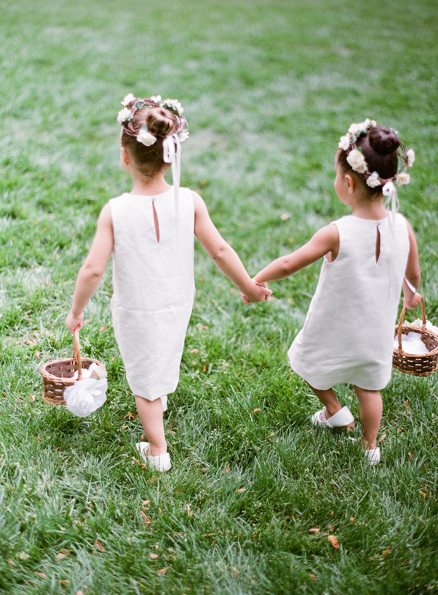 6 Foolproof Tips for Getting Your Flower Girl or Ring Bearer Down the Aisle