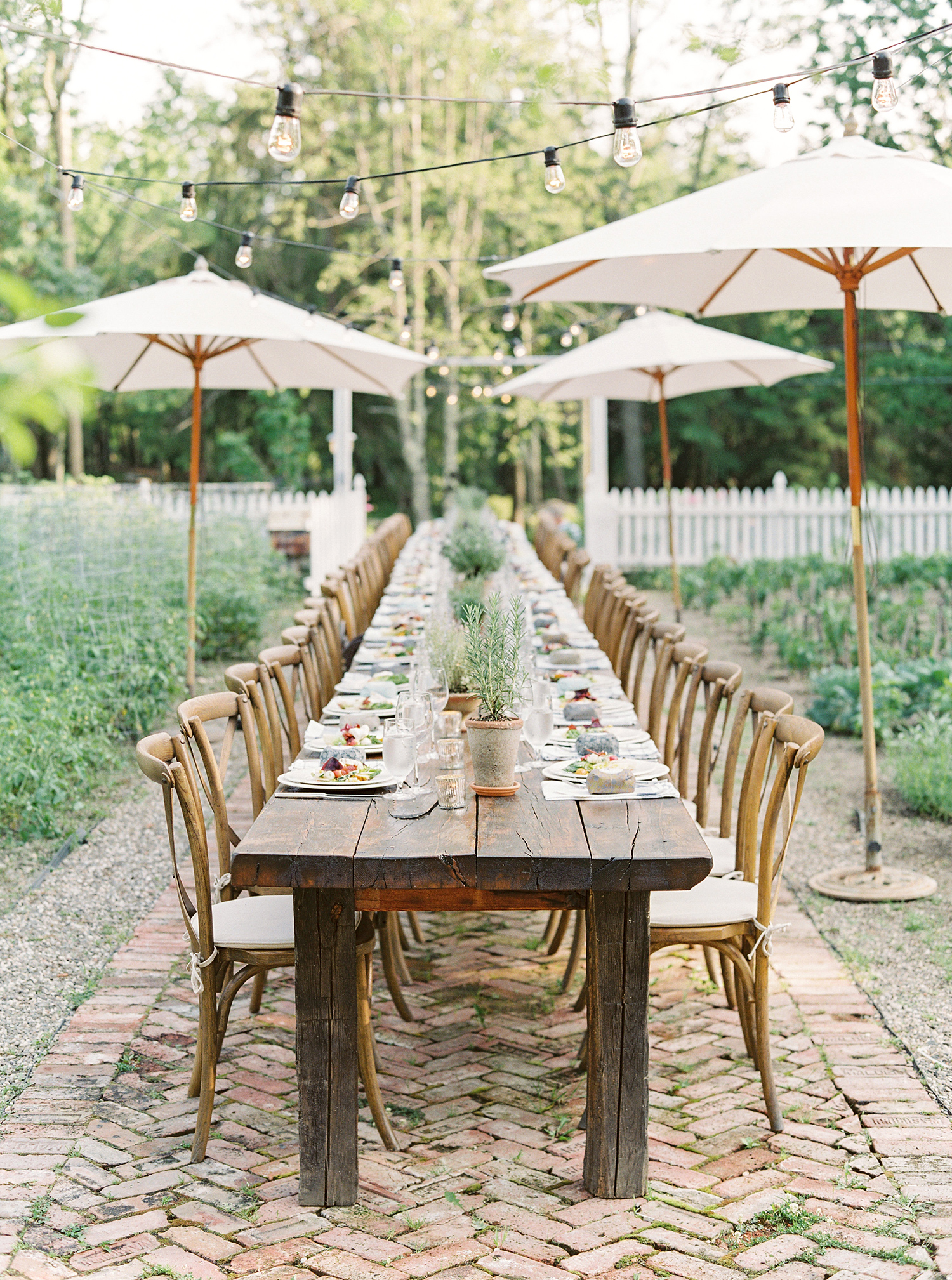 5 Rehearsal Dinner Ideas for Spring
