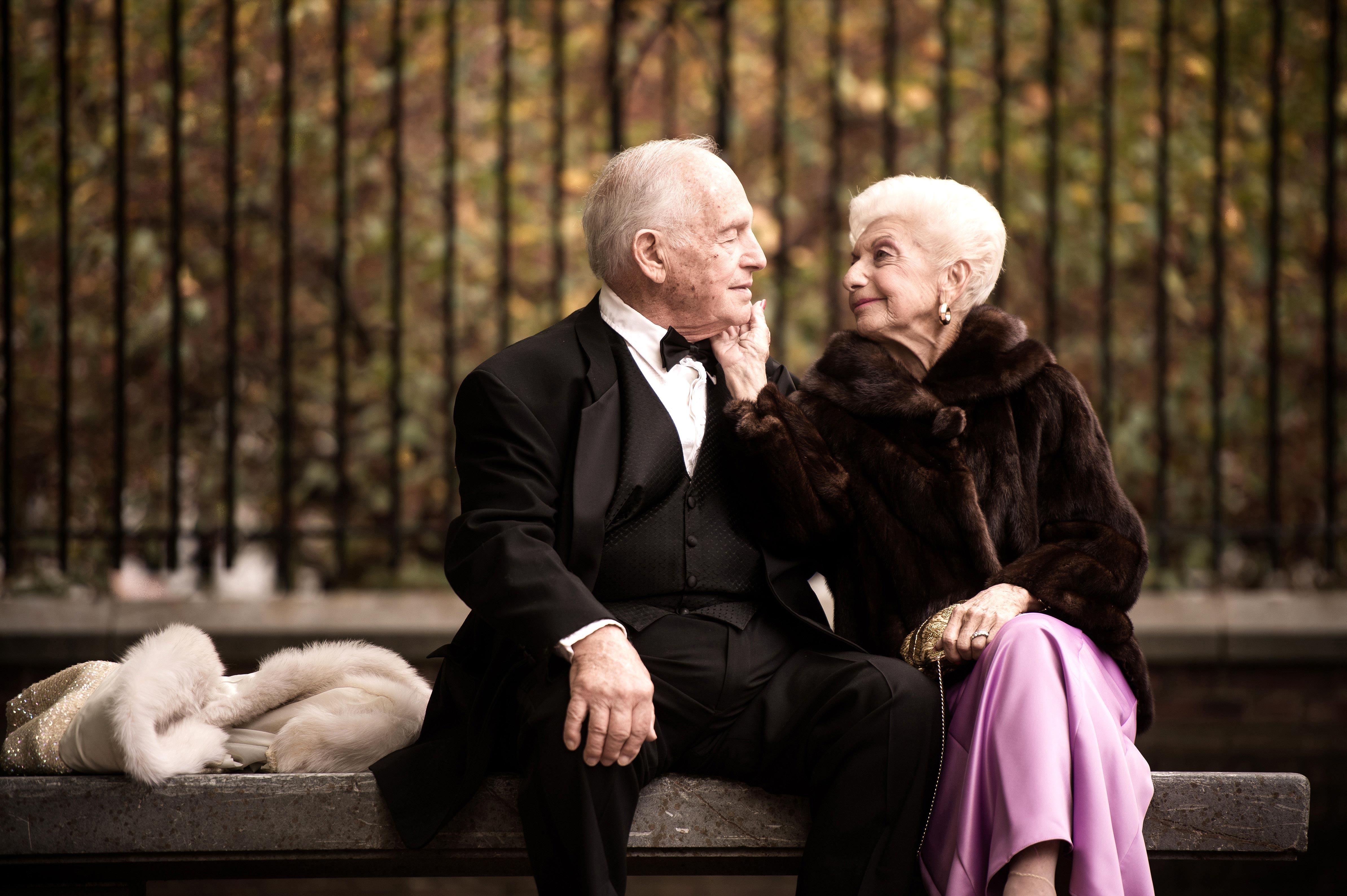 anniversary photo couple bench