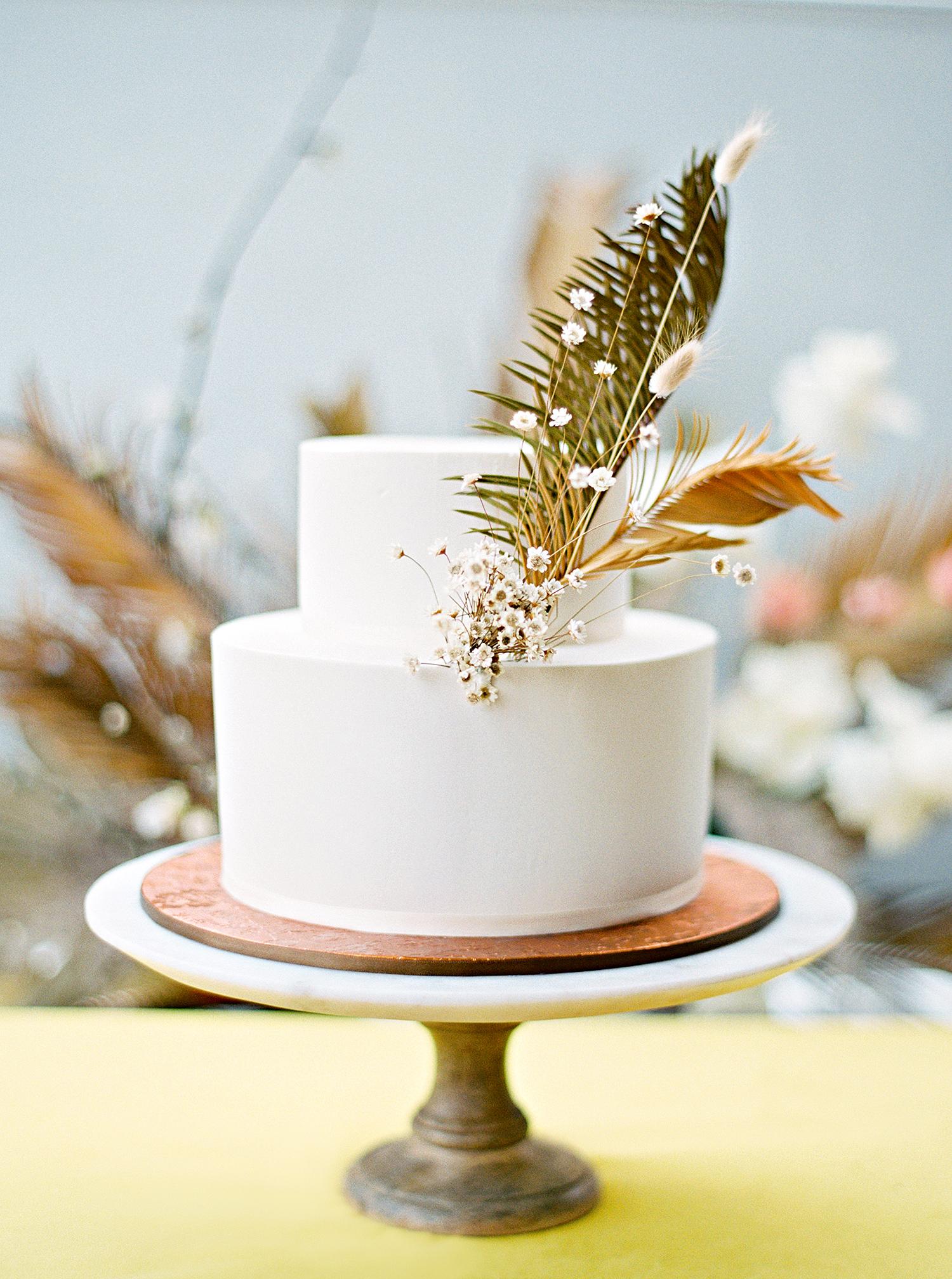 kae danny wedding simple cake