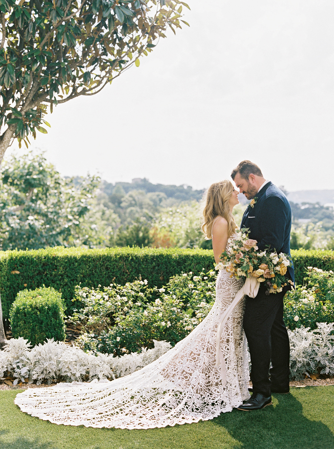 charla jesse wedding couple outdoors