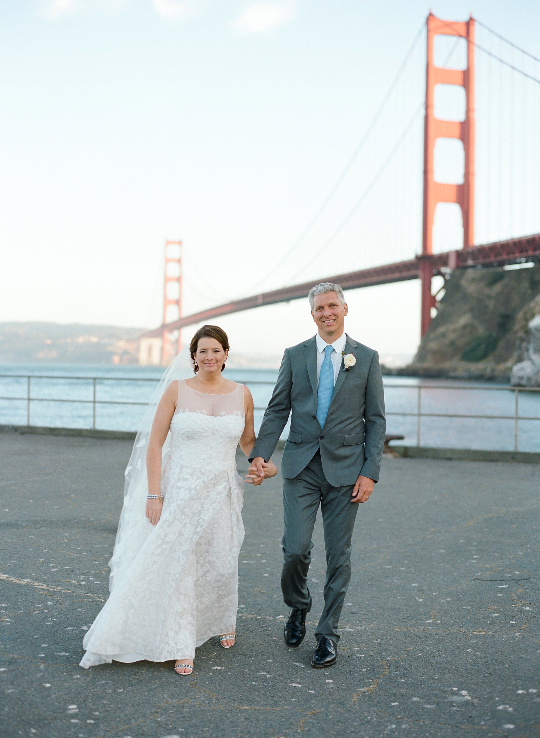 wedding couple portrait golden gate bridge