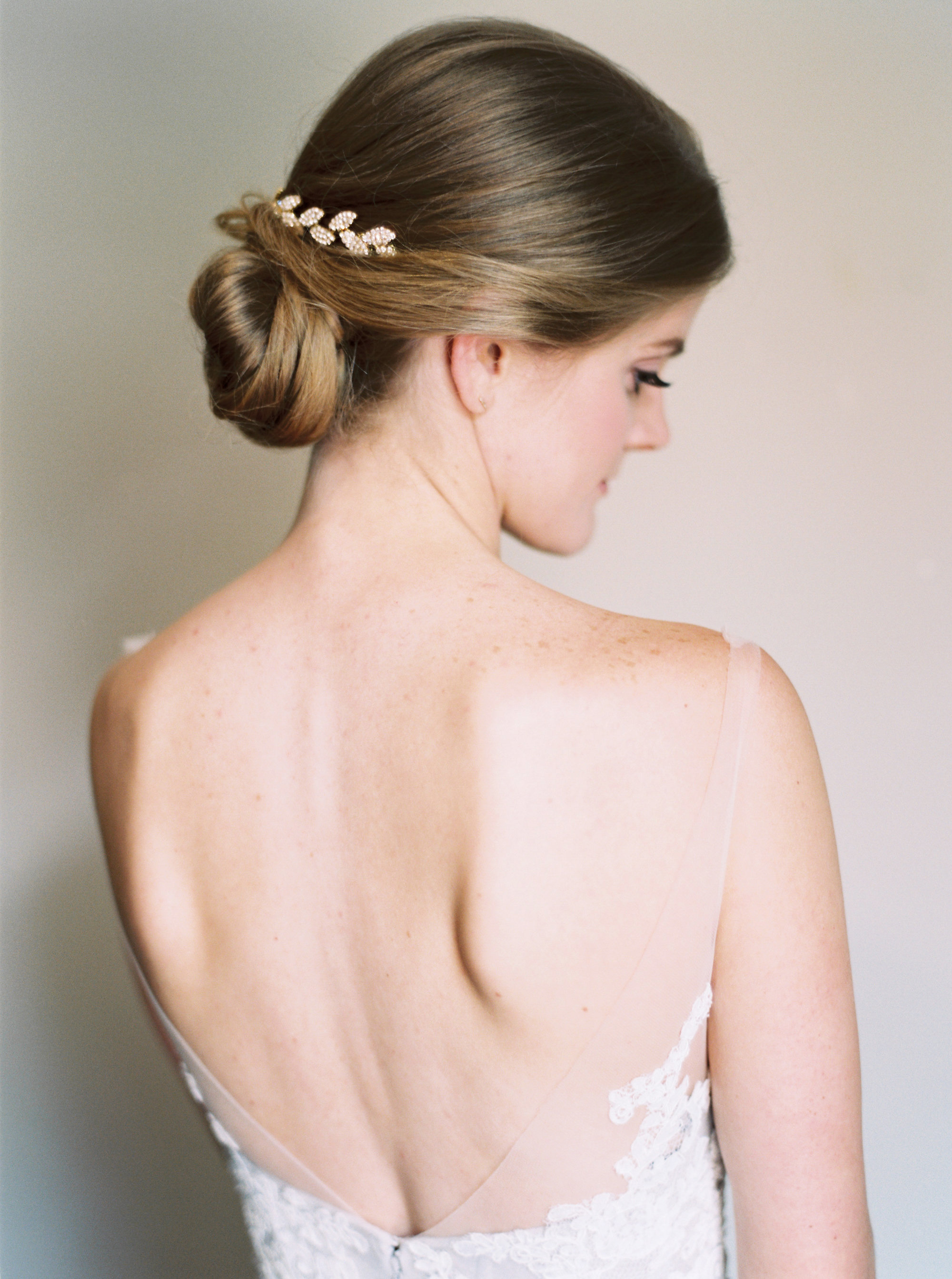 bride hair low bun clip