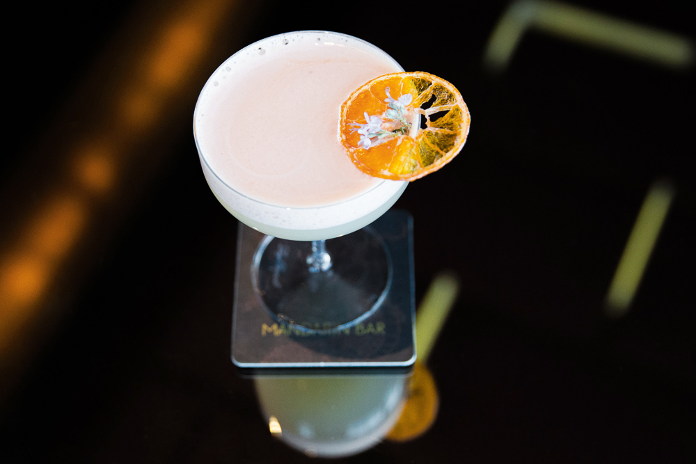 cocktails mandarinita el corazon orange slice foam glass