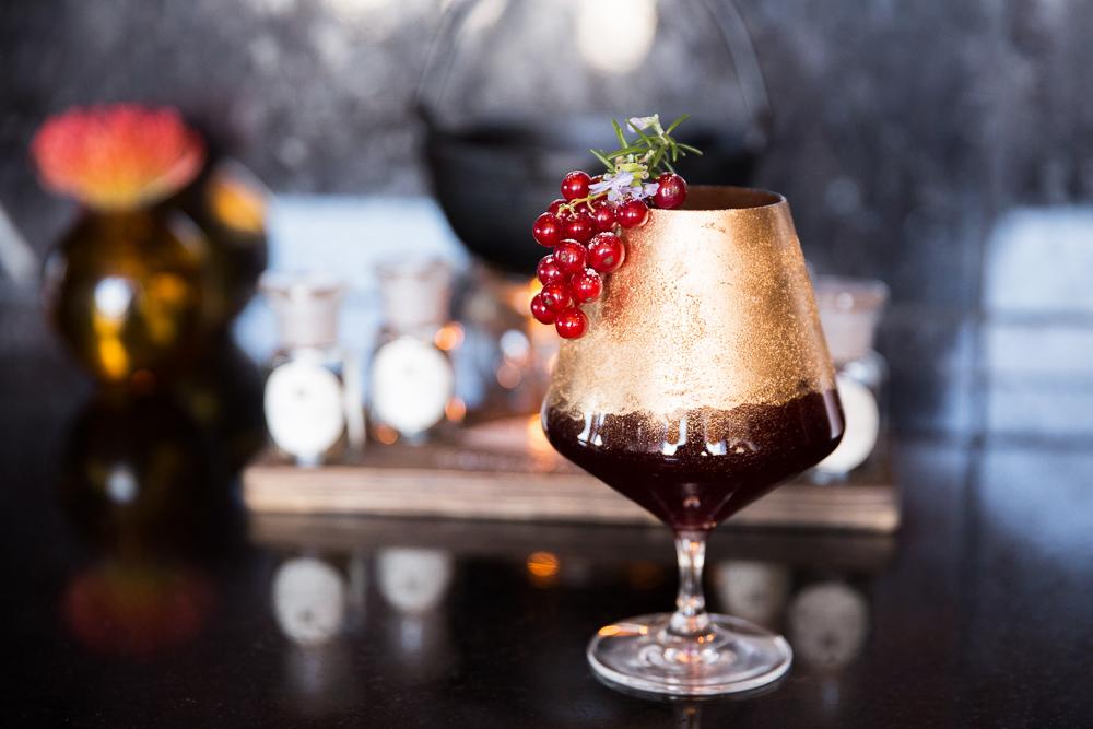 cocktails rubino fancy glass berry garnish red
