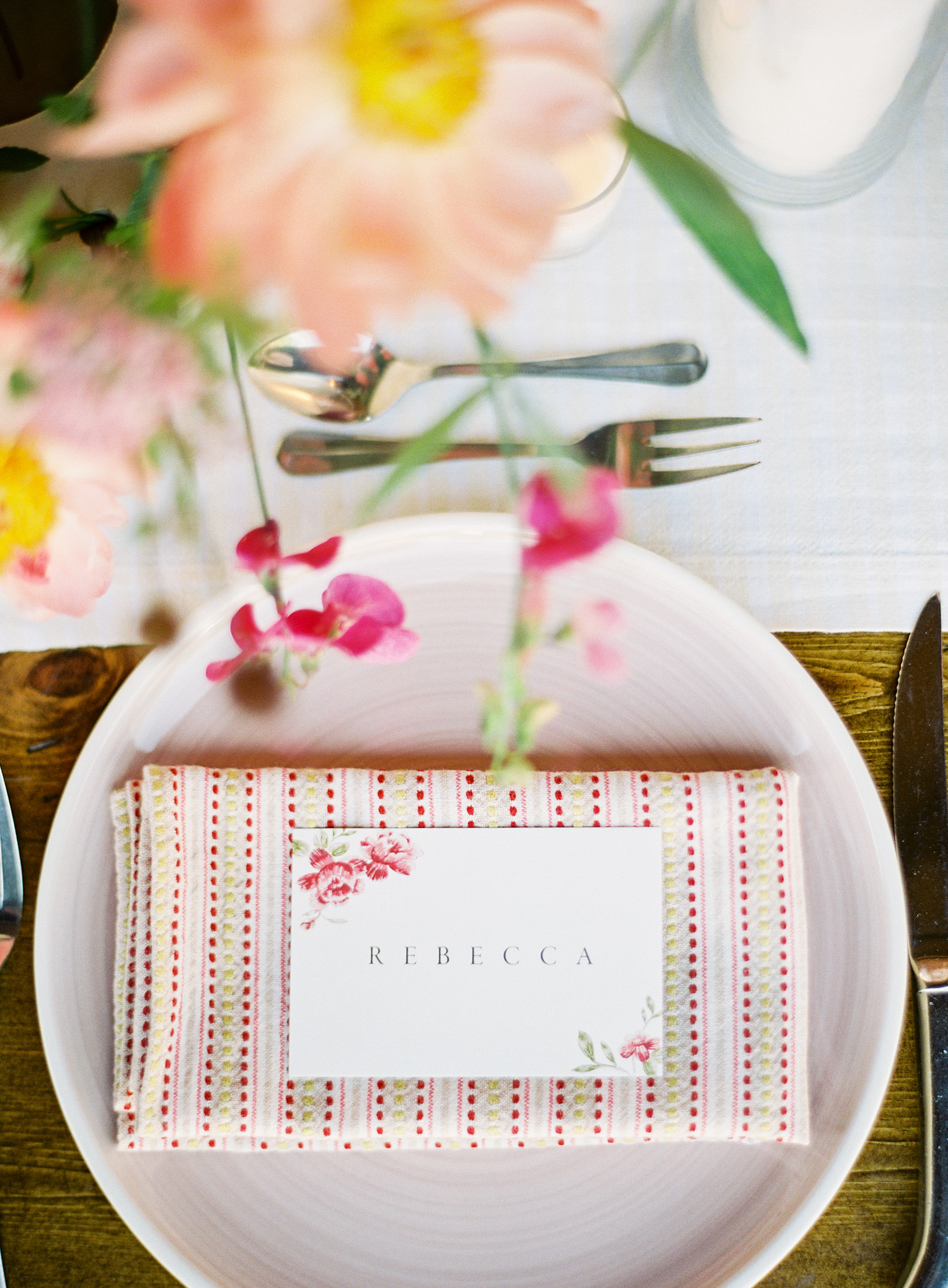 rebecca clay rehearsal dinner placesetting