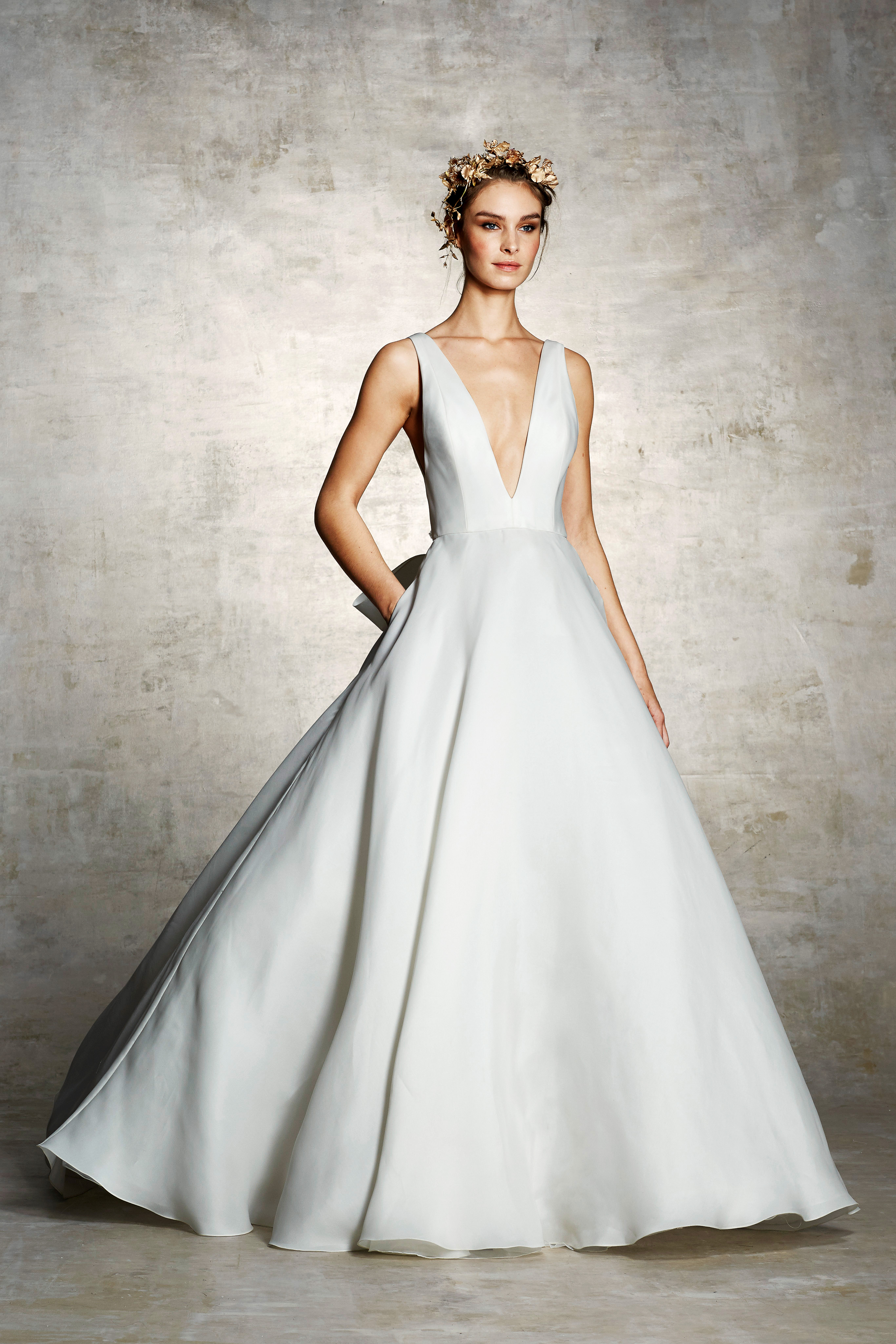 marchesa bridal wedding dress deep v sleeveless a-line