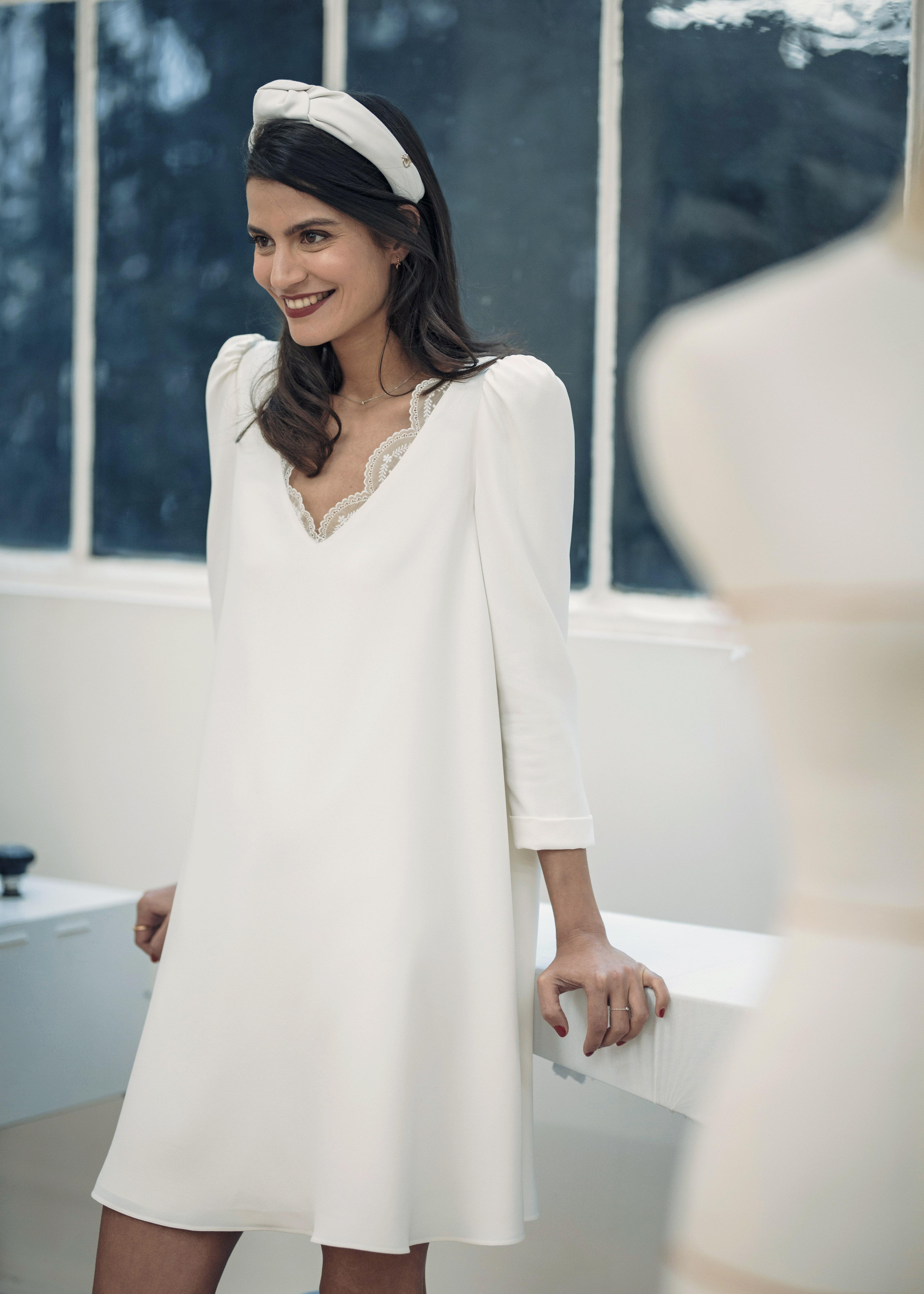 laure de sagazan short v-neck wedding dress spring 2019