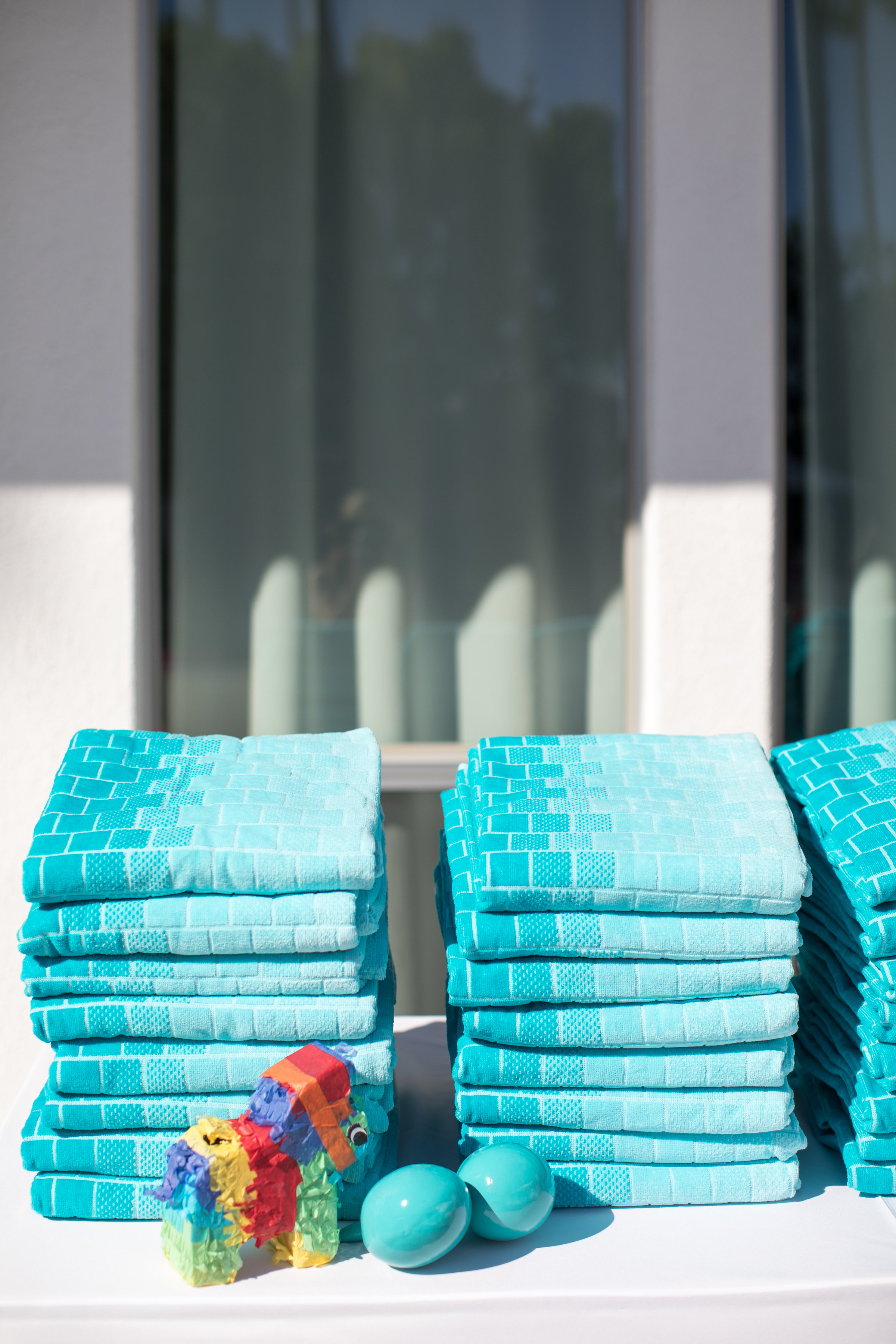 pool party towels