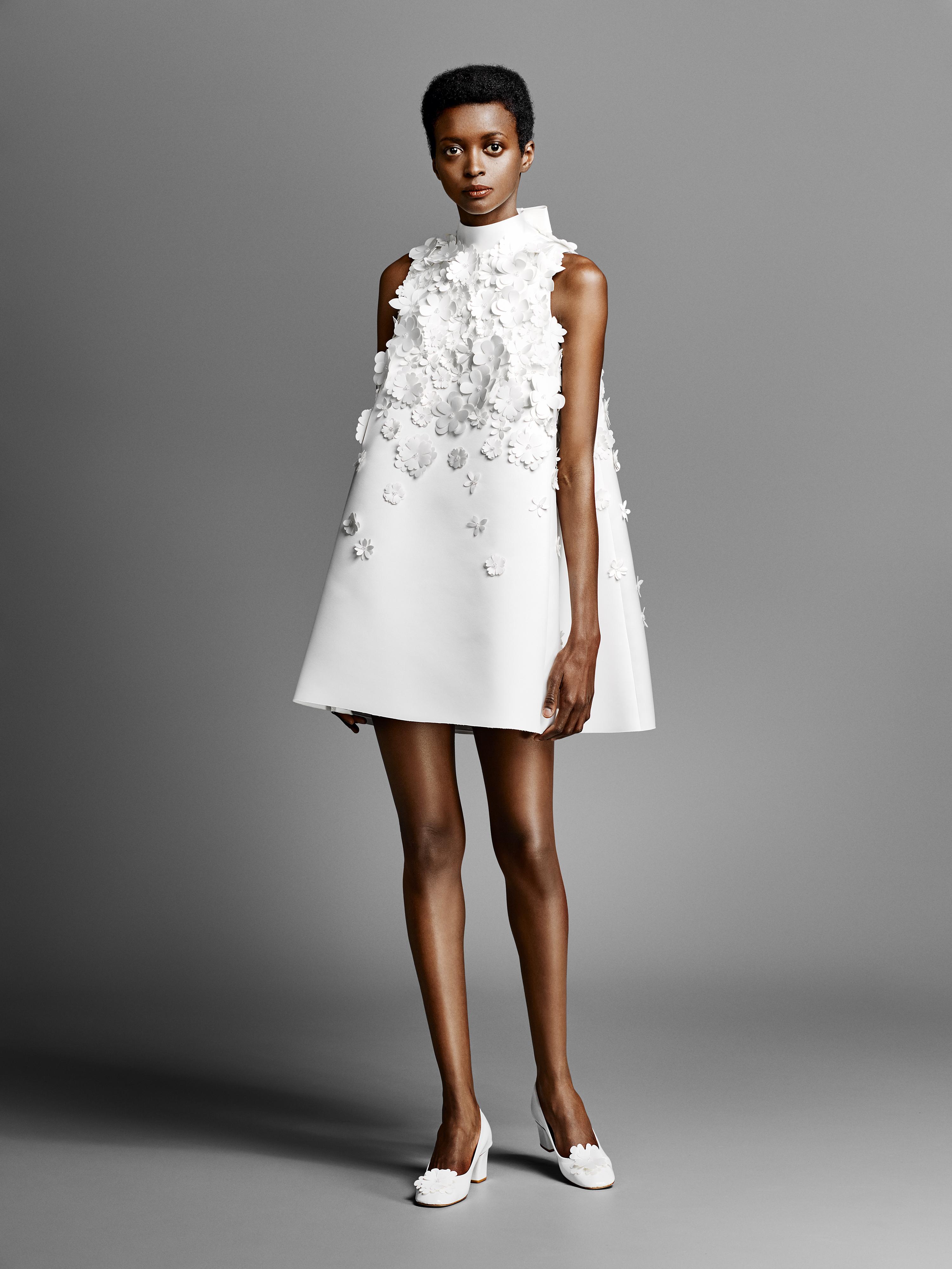 short viktor rolf wedding dress with high neck spring 2019