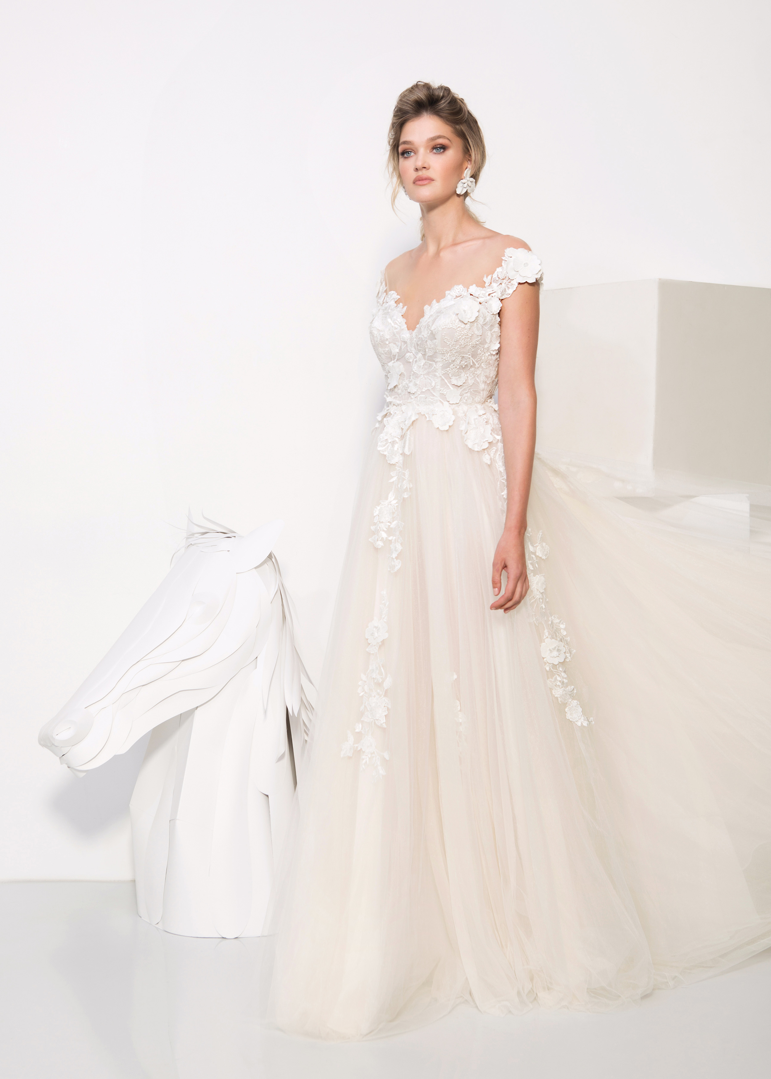 persy wedding dress spring 2019 floral applique sweetheart a-line gown