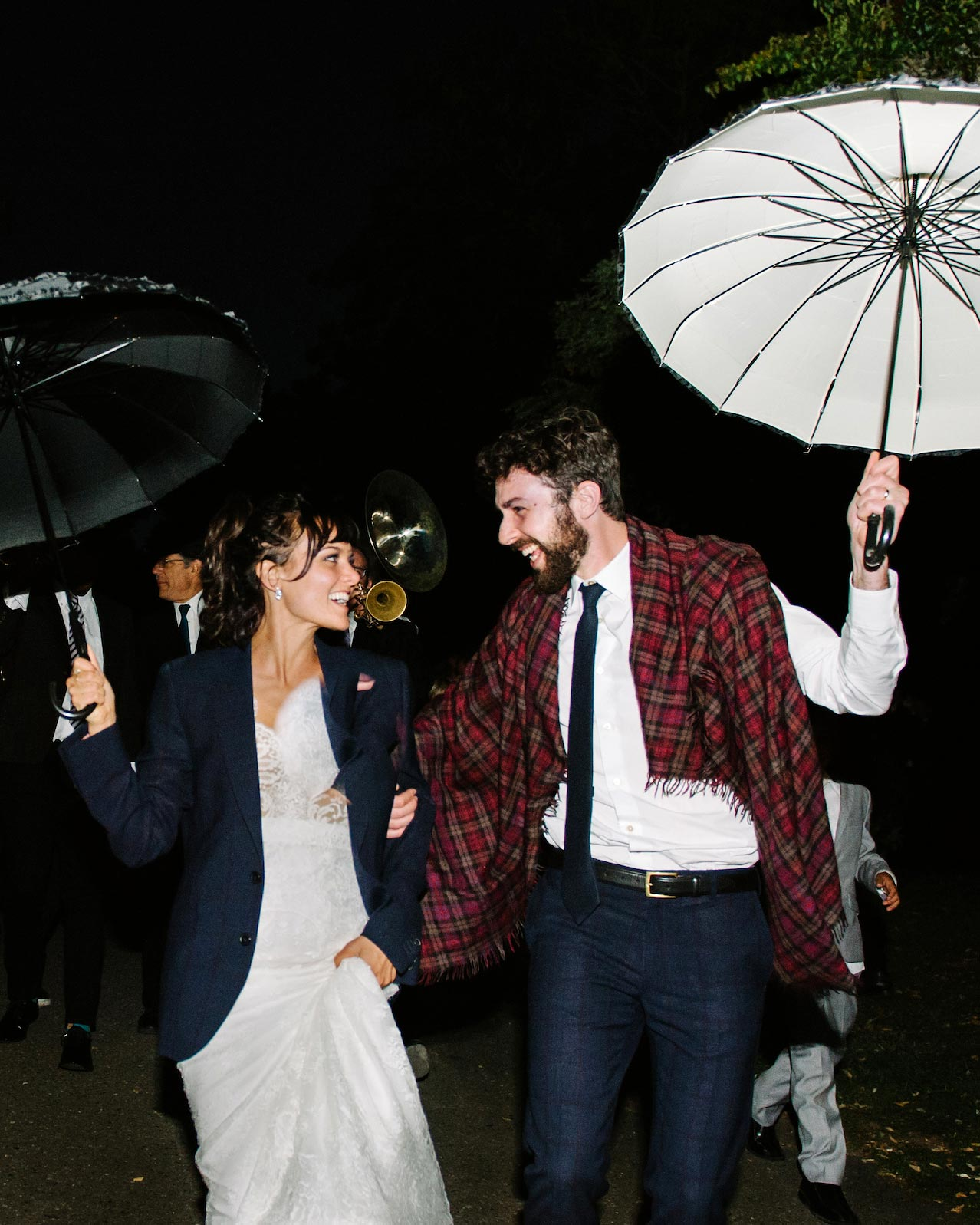 wedding couple umbrellas