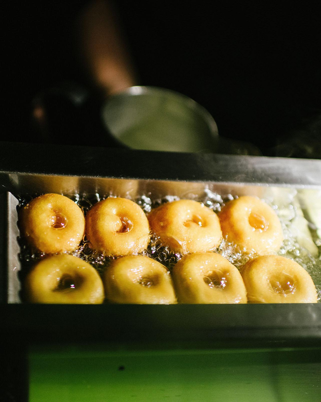 wedding donut fryer