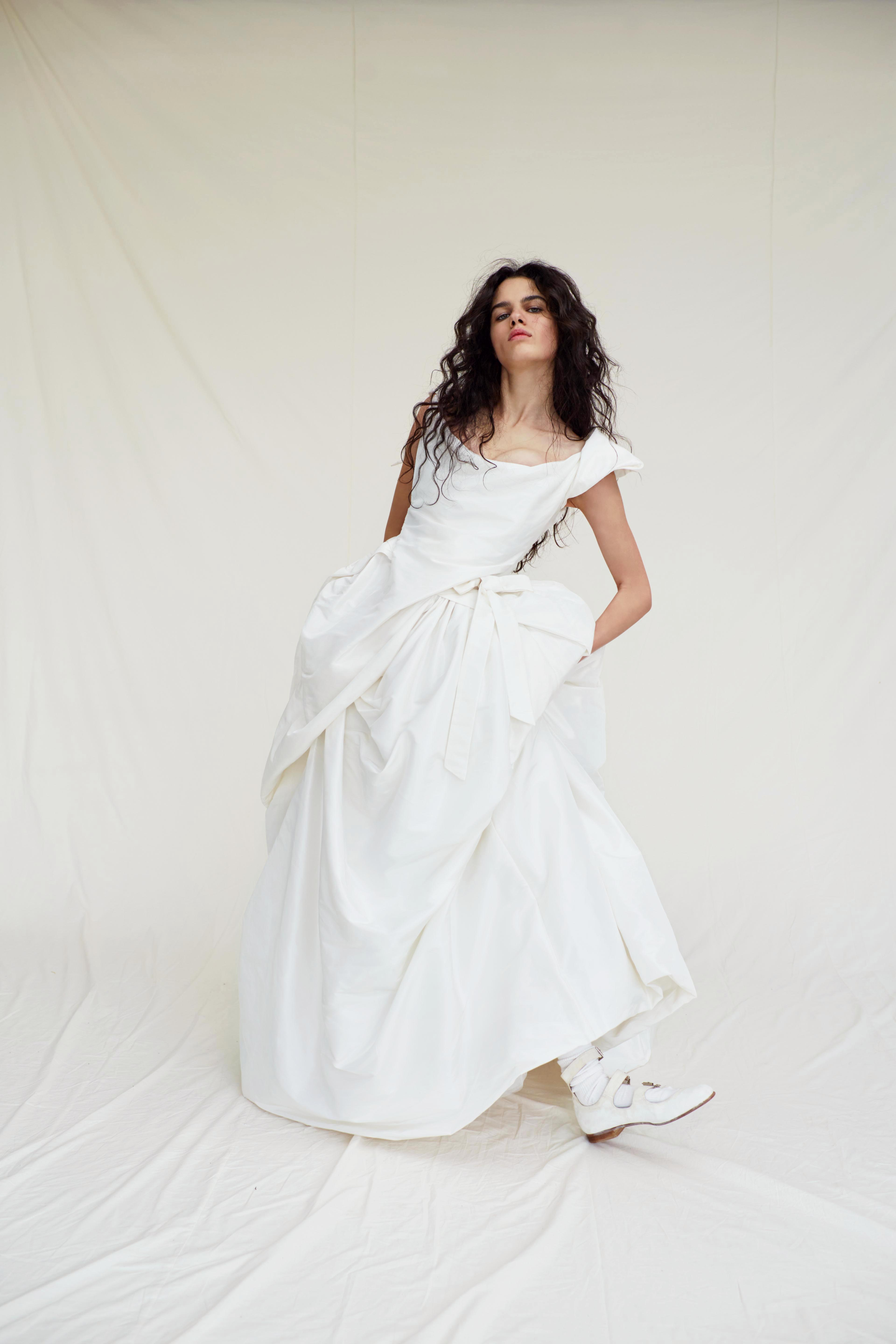 vivienne westwood wedding dress Spring 2019 scoop neck a-line