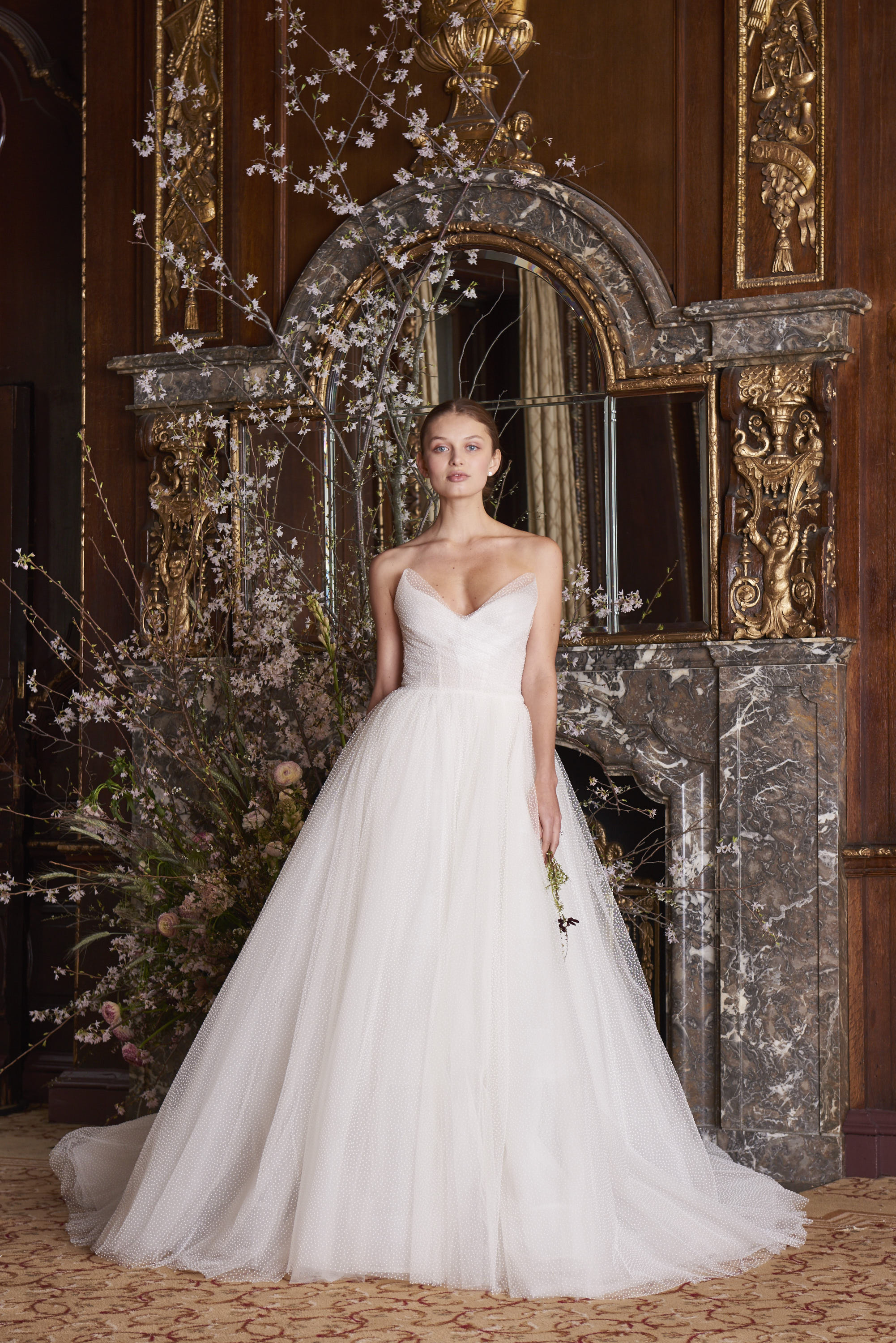 monique lhuillier wedding dress spring 2019 tulle v-neck