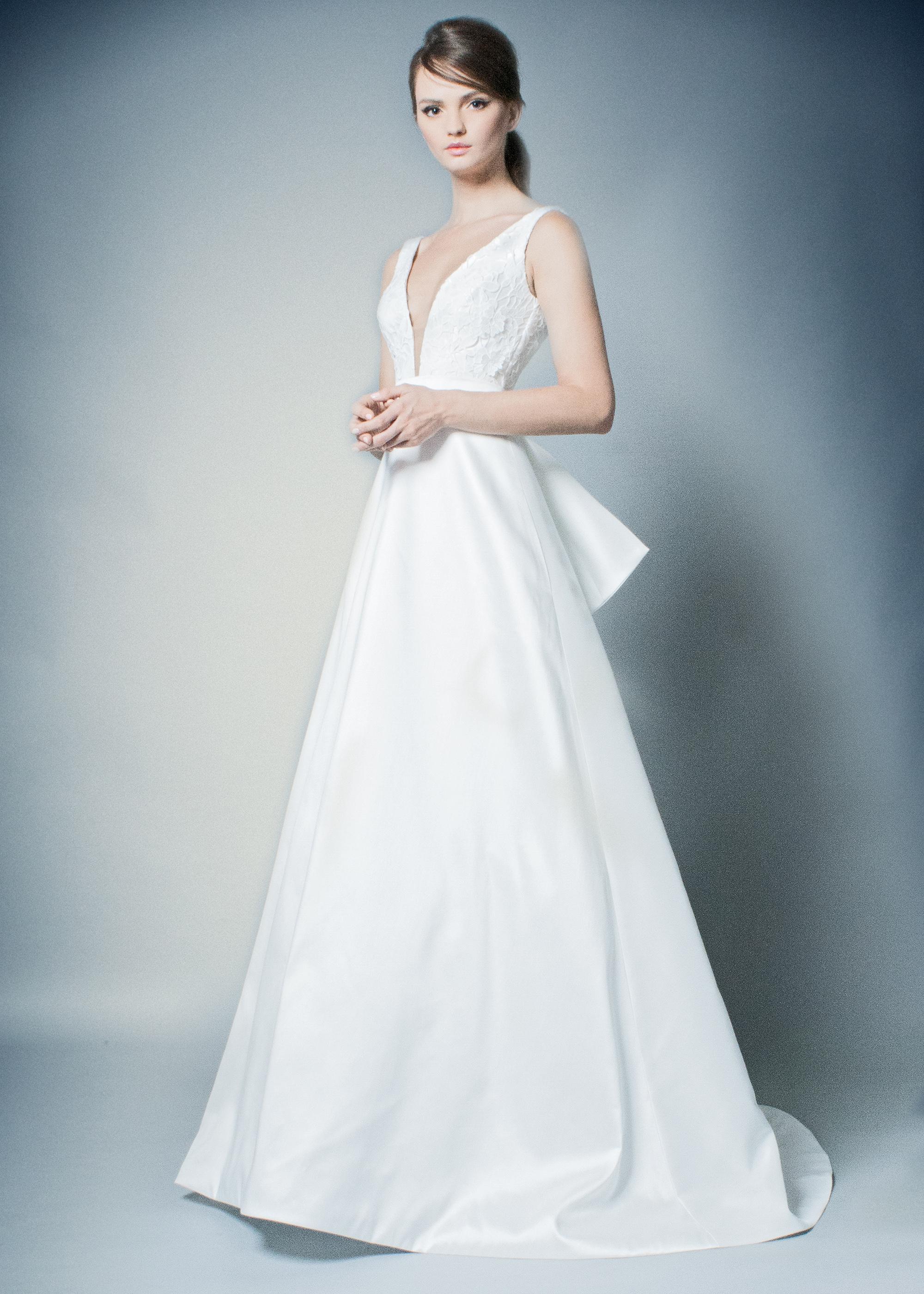 romona wedding dress spring 2019 deep v-neck a-line gown