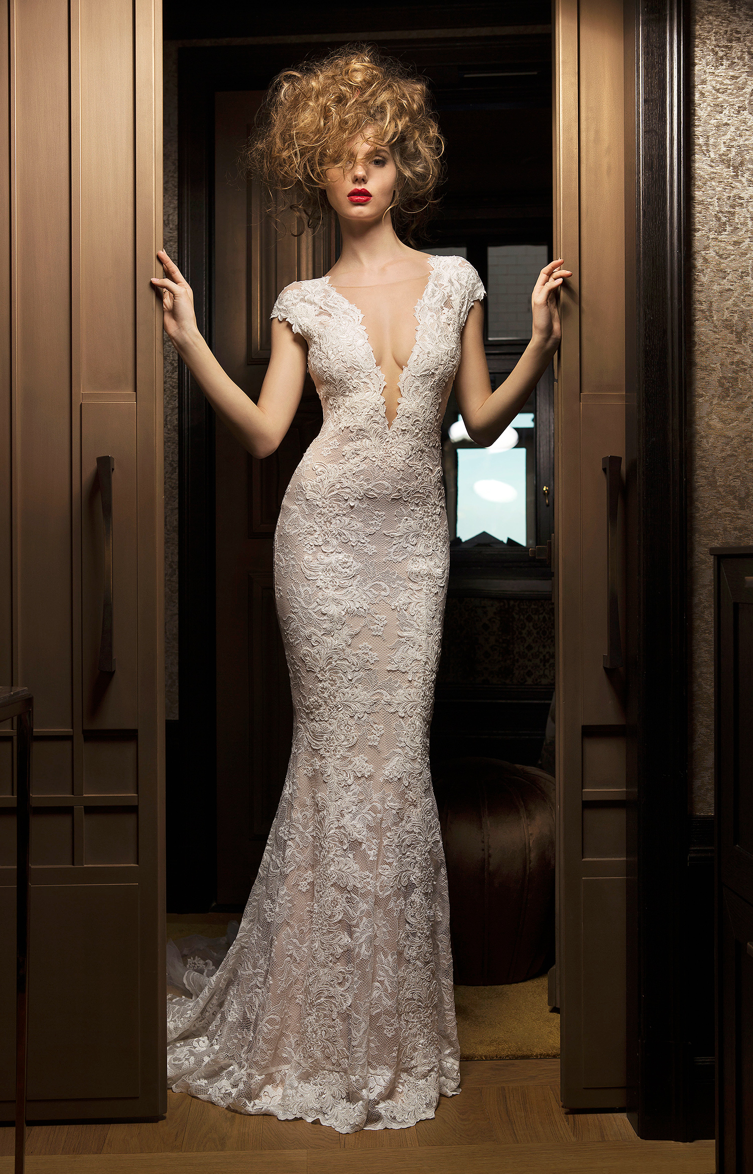 olvi wedding dress spring 2019 plunging neck cap-sleeve