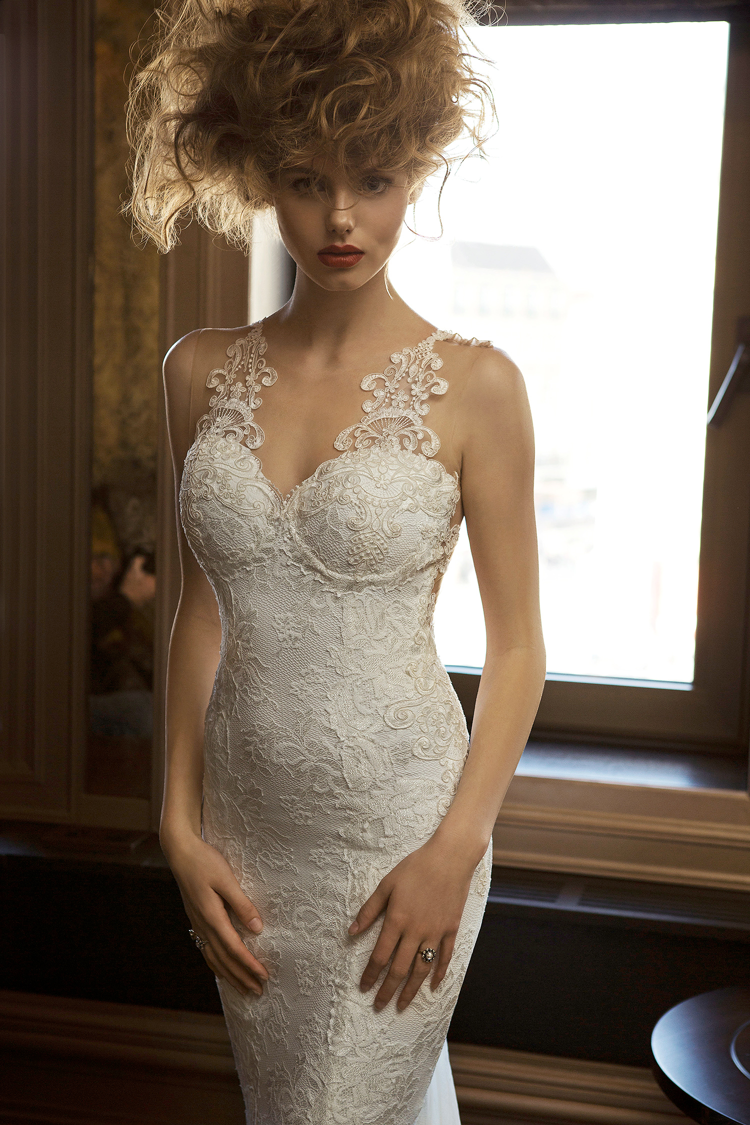 olvi wedding dress spring 2019 sweetheart sheath lace details
