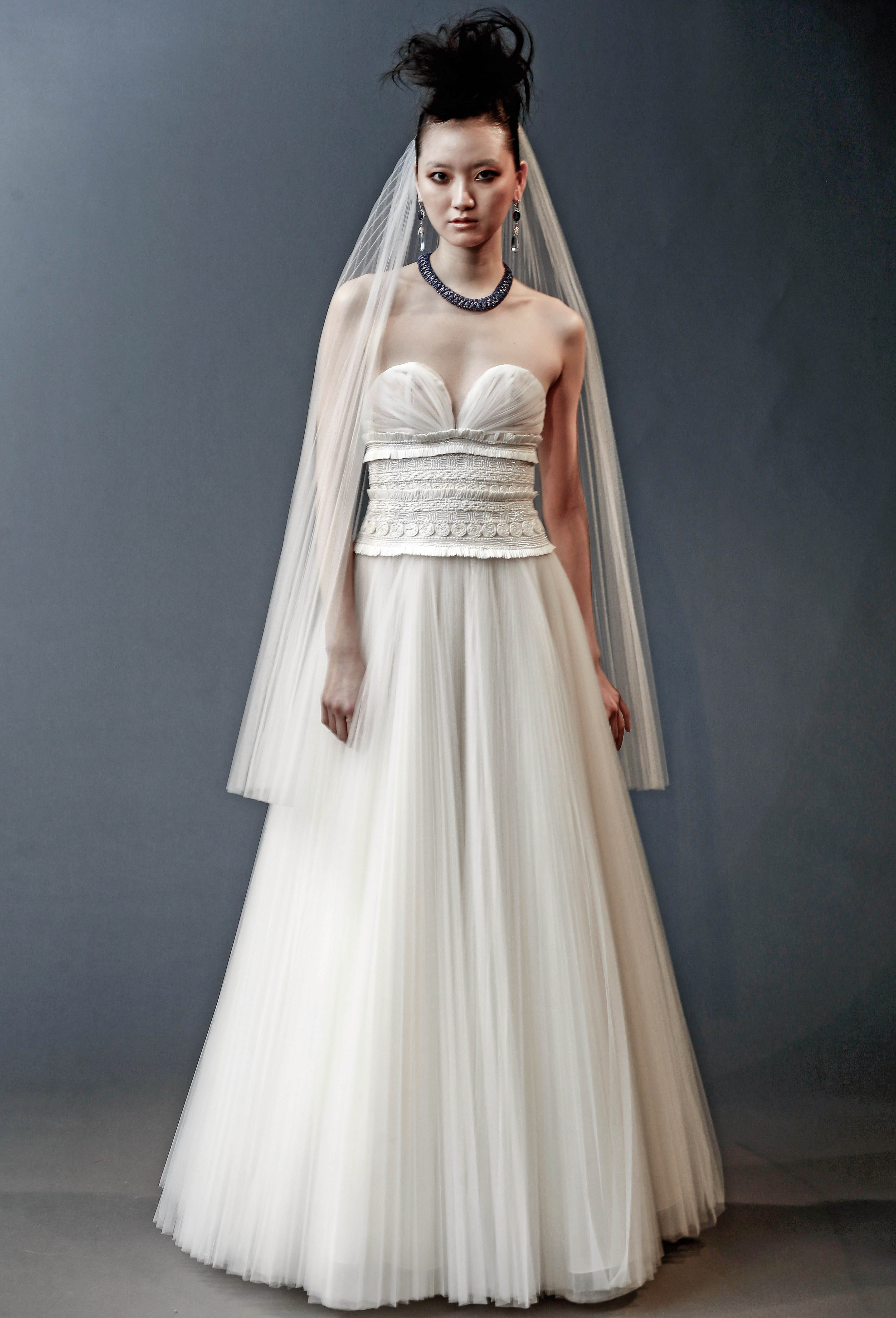 naeem khan sweetheart a-line with veil wedding dress spring 2019