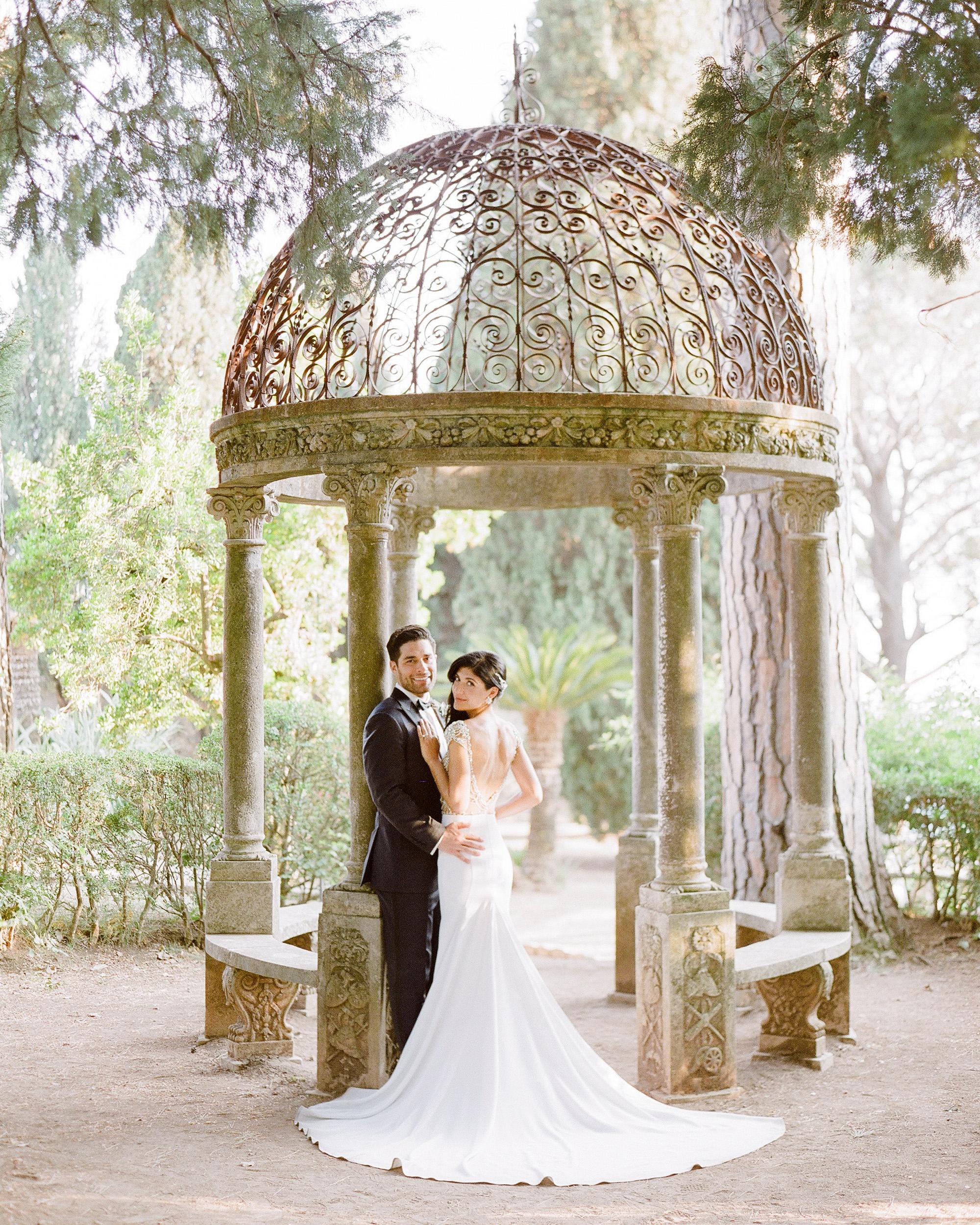 lisa greg italy wedding couple outdoor portrait