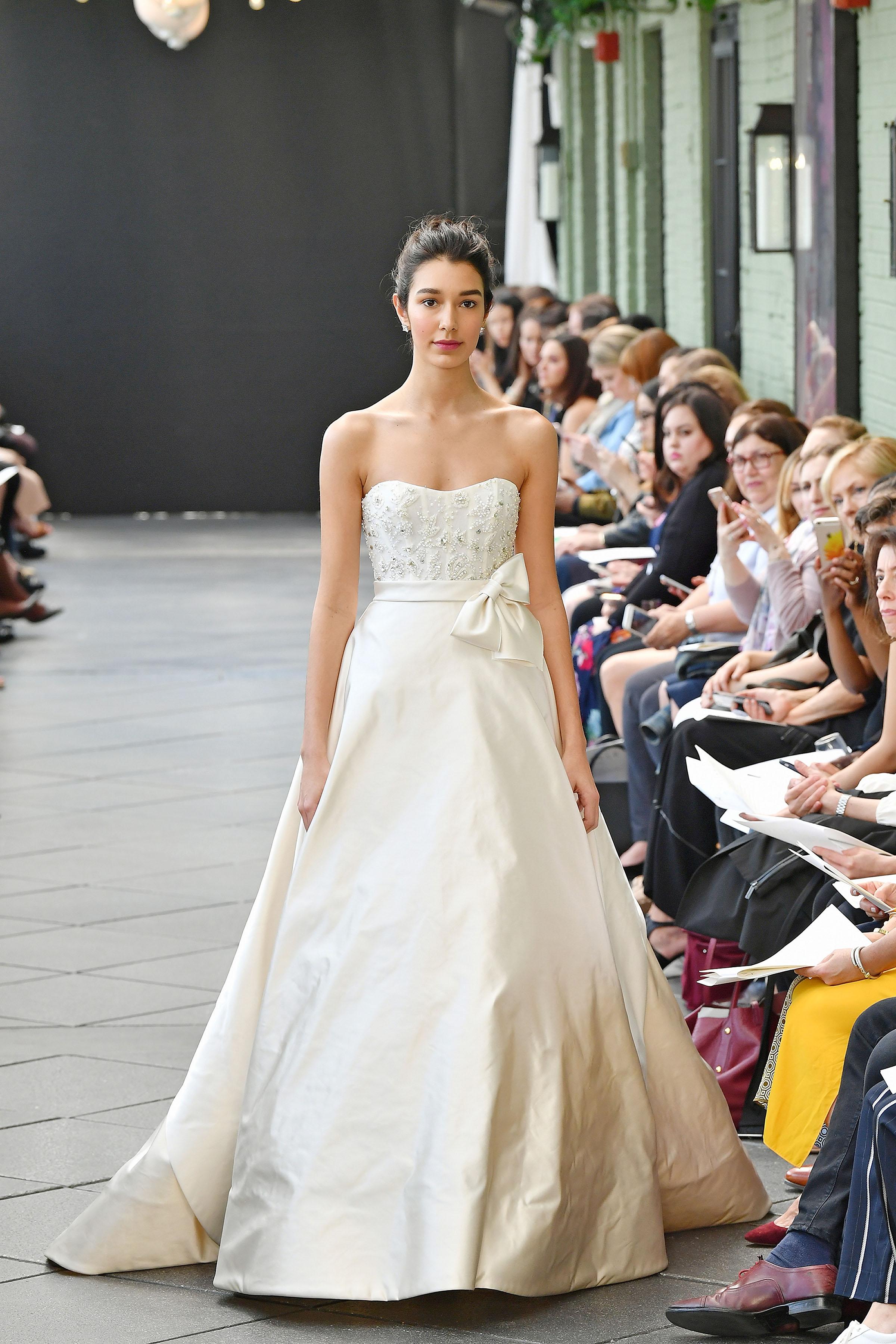 nouvelle amsale wedding dress spring 2019 strapless with bow on belt