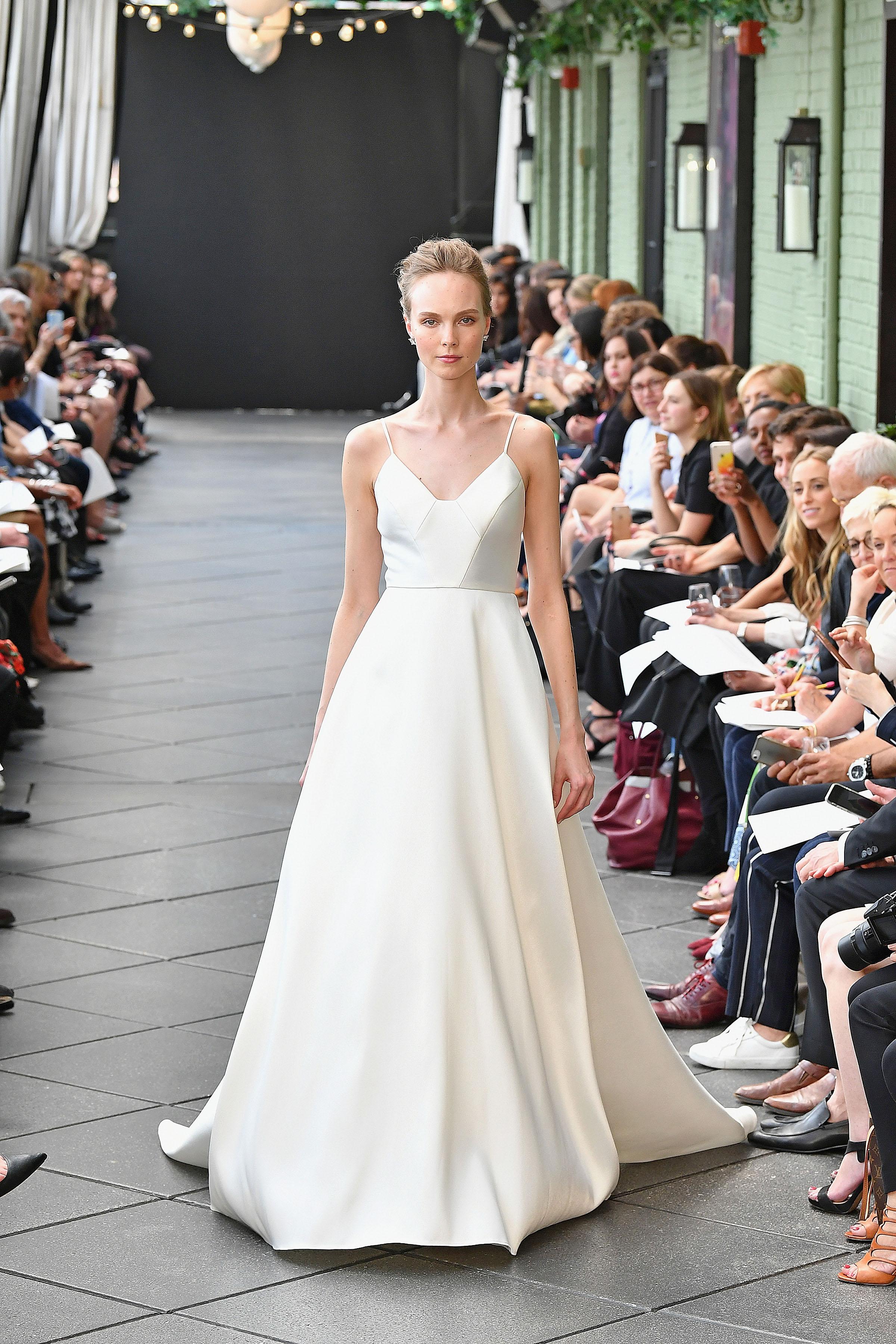 nouvelle amsale wedding dress spring 2019 spaghetti strap v-neck