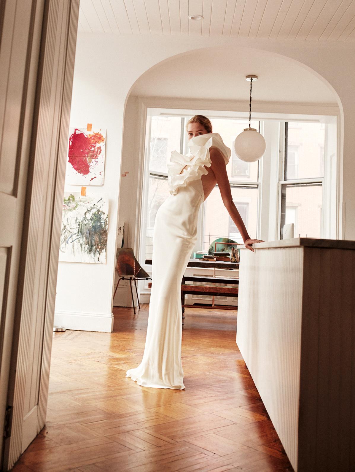 Lein wedding dress spring 2019 ruffle v-neck sheath