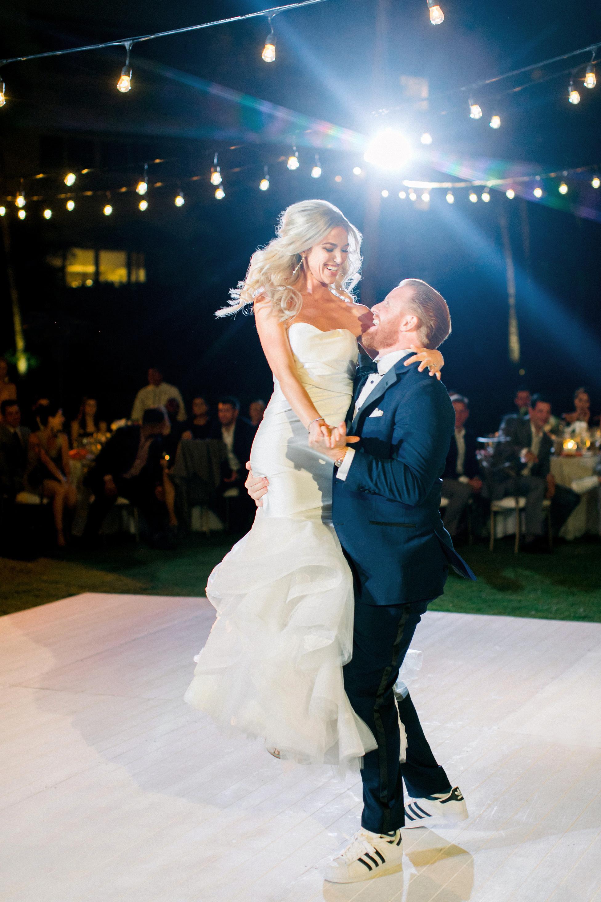 kourtney justin wedding mexico first dance couple