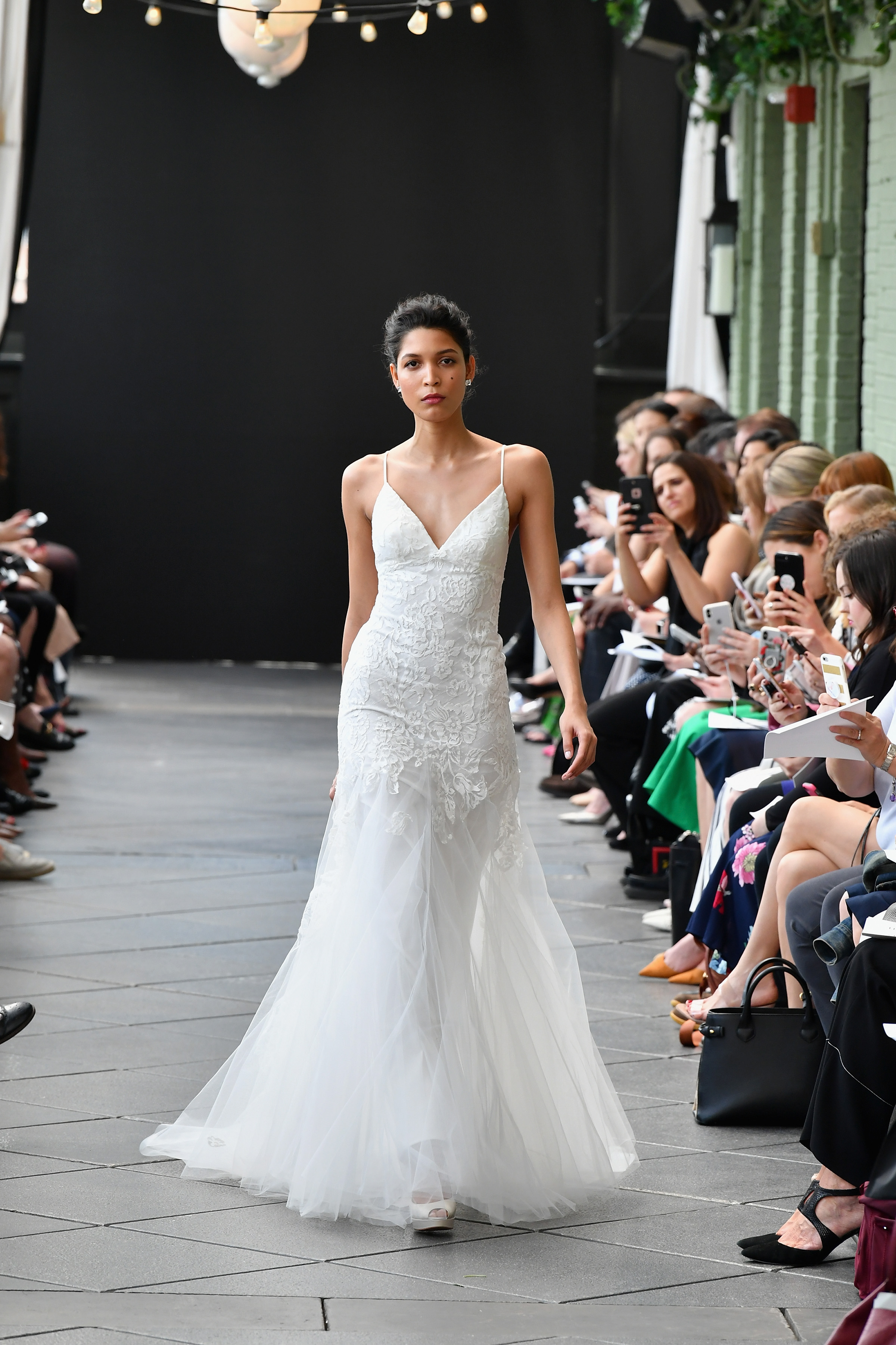 amsale wedding dress spring 2019 v-neck spaghetti strap