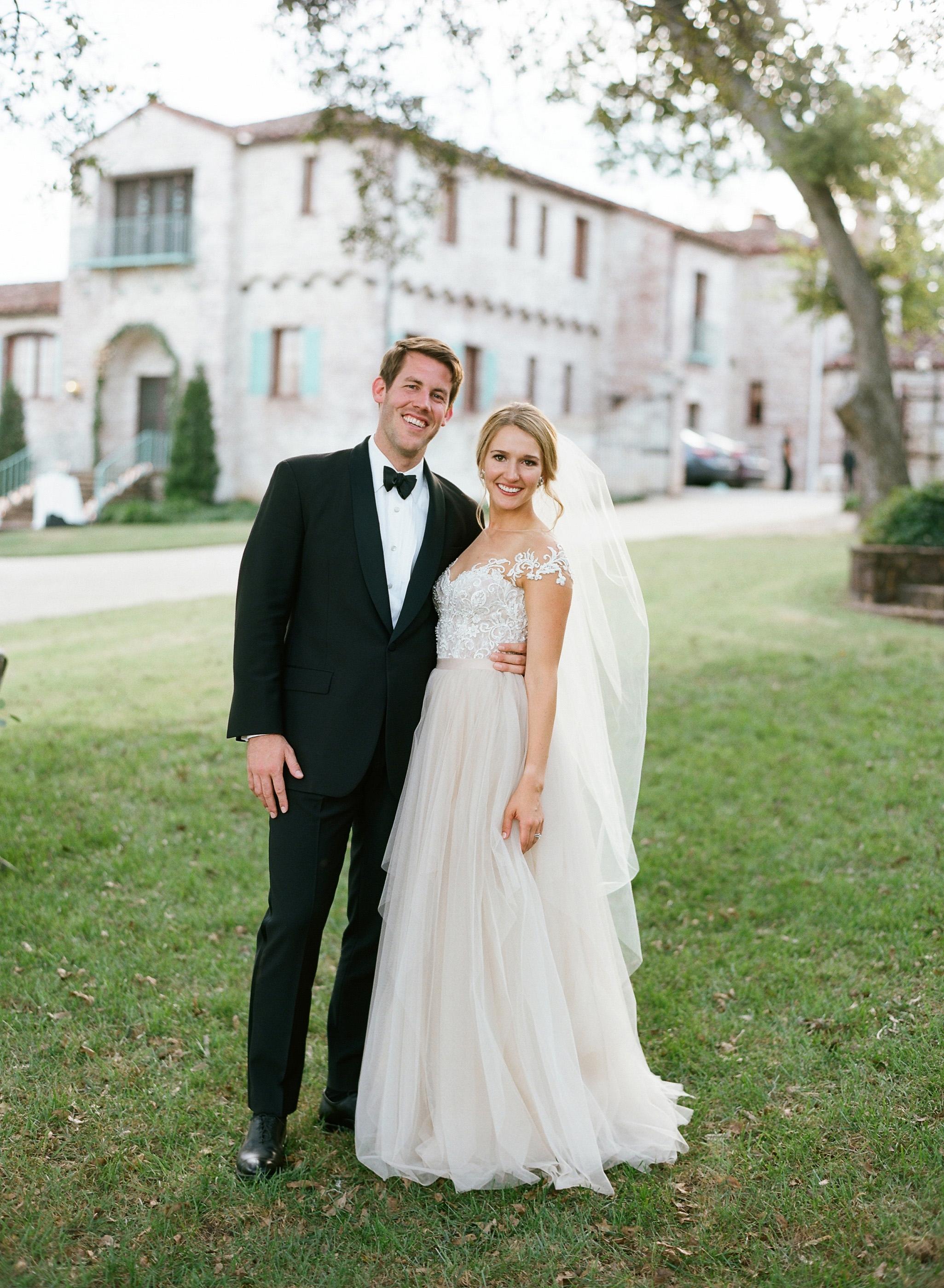 jessika william wedding couple embrace