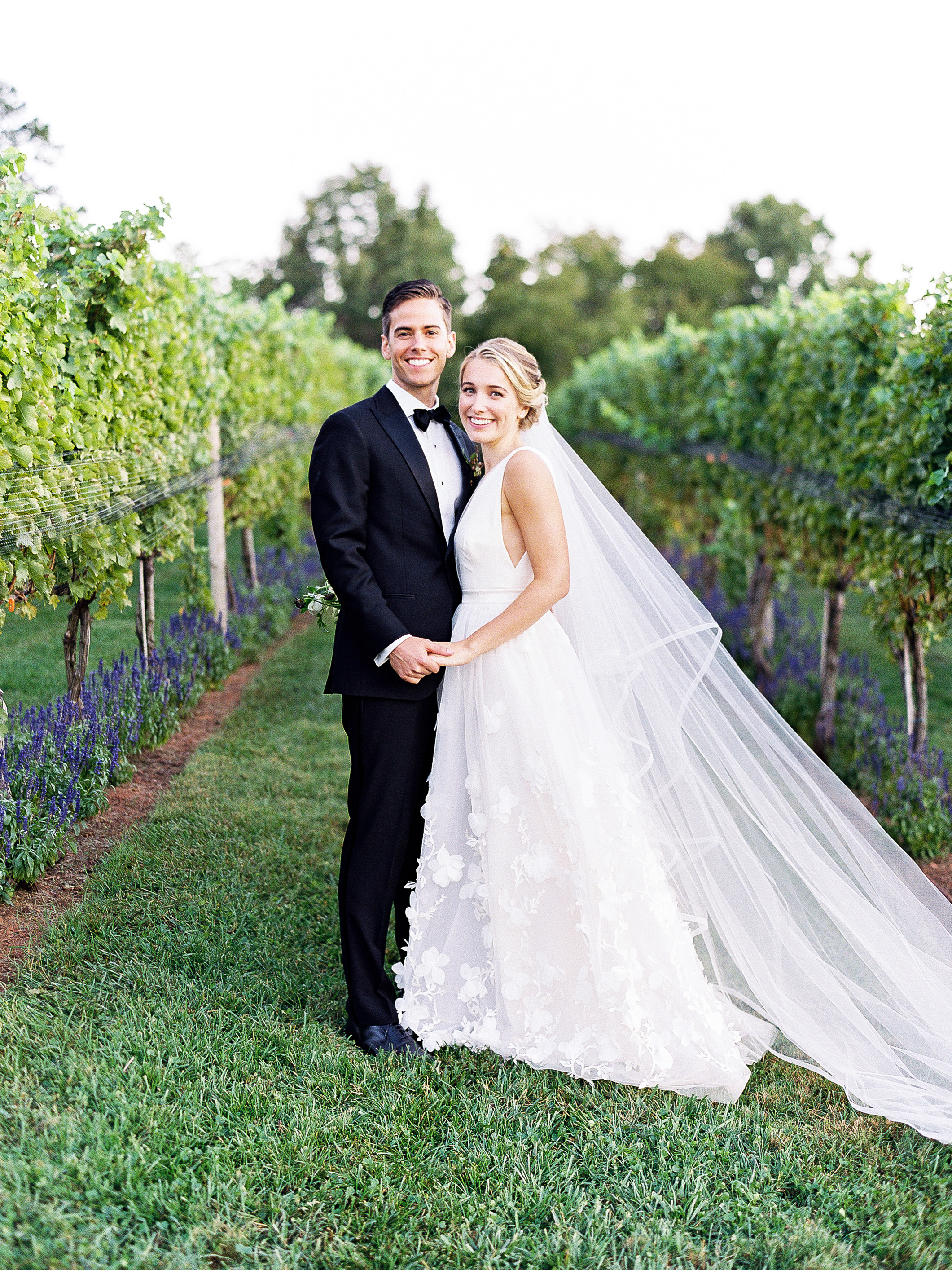 julianne aaron wedding couple vineyard