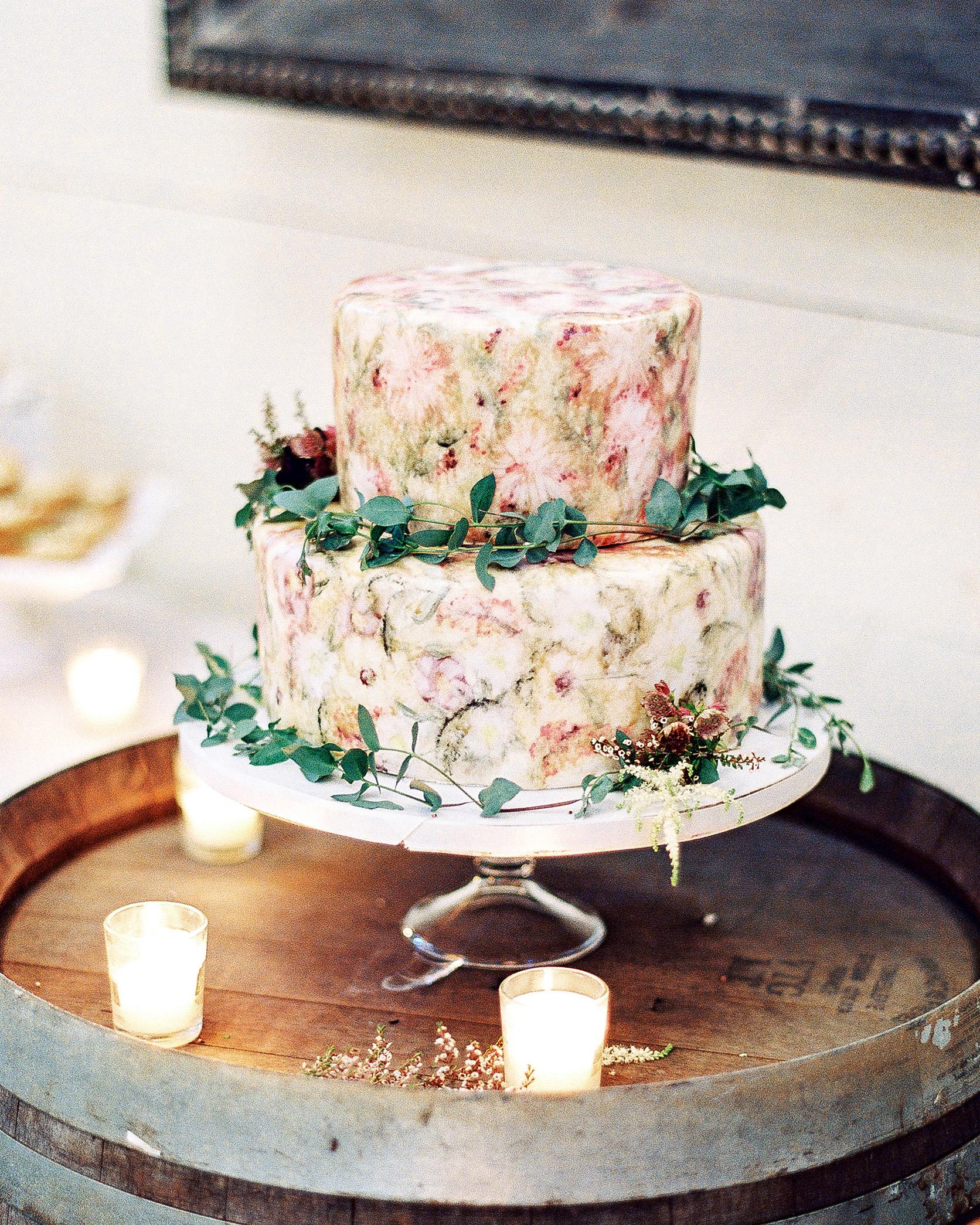 julianne aaron wedding cake