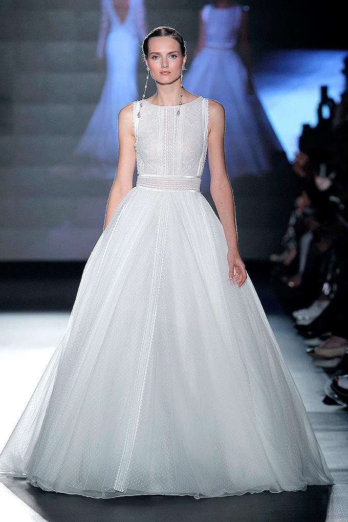 rosa clara dress spring 2019 scoop neck swiss dot ball gown