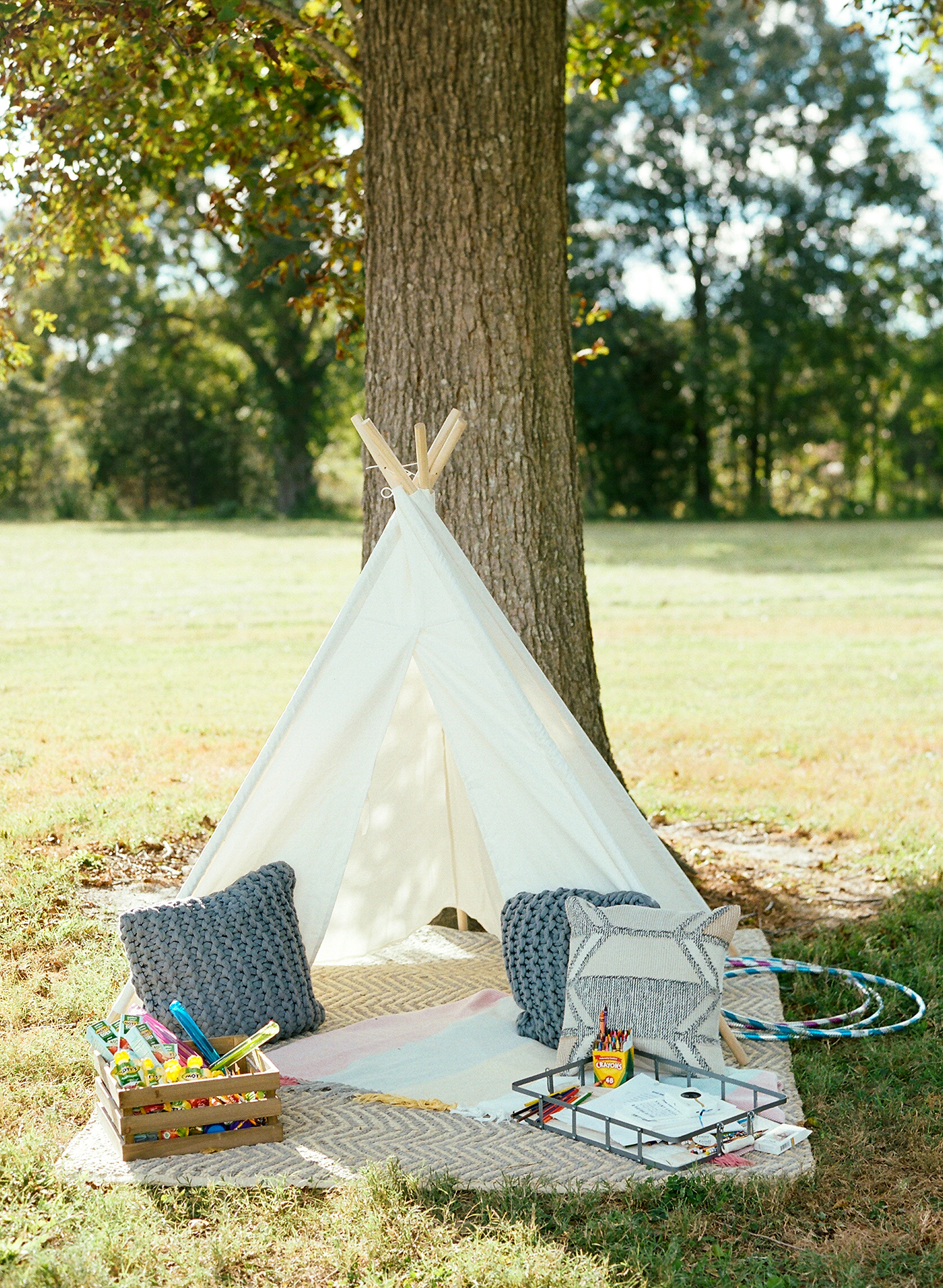 jen geoff wedding kids play tent