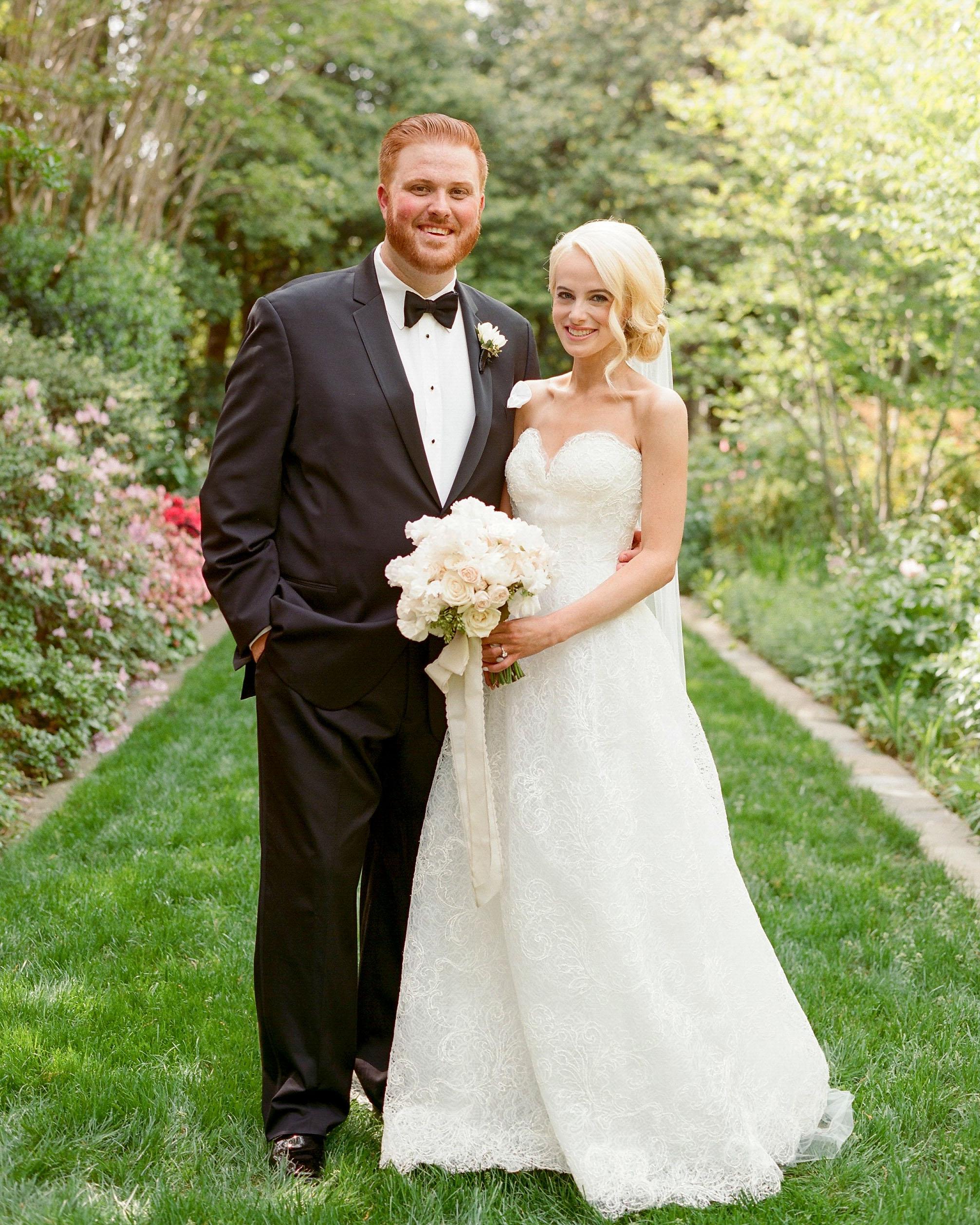 washington dc wedding couple garden