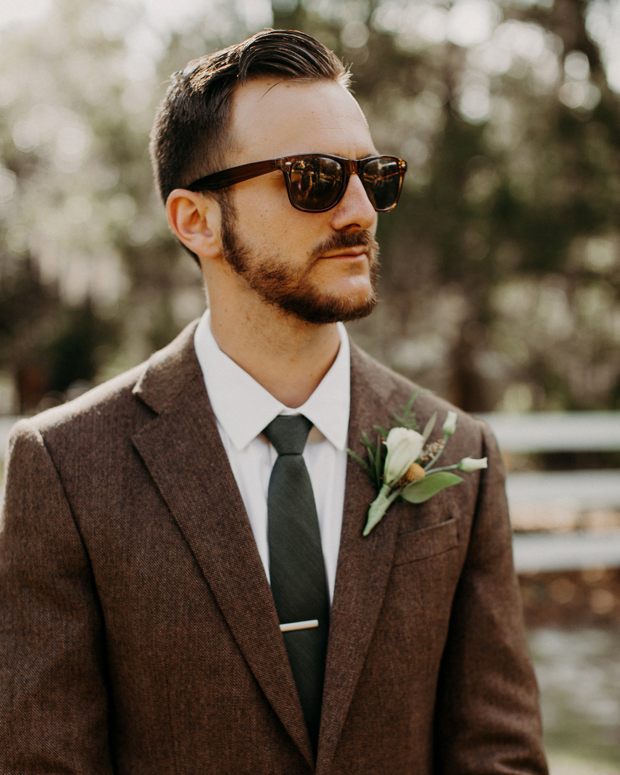 brown Stafford jacket green tie
