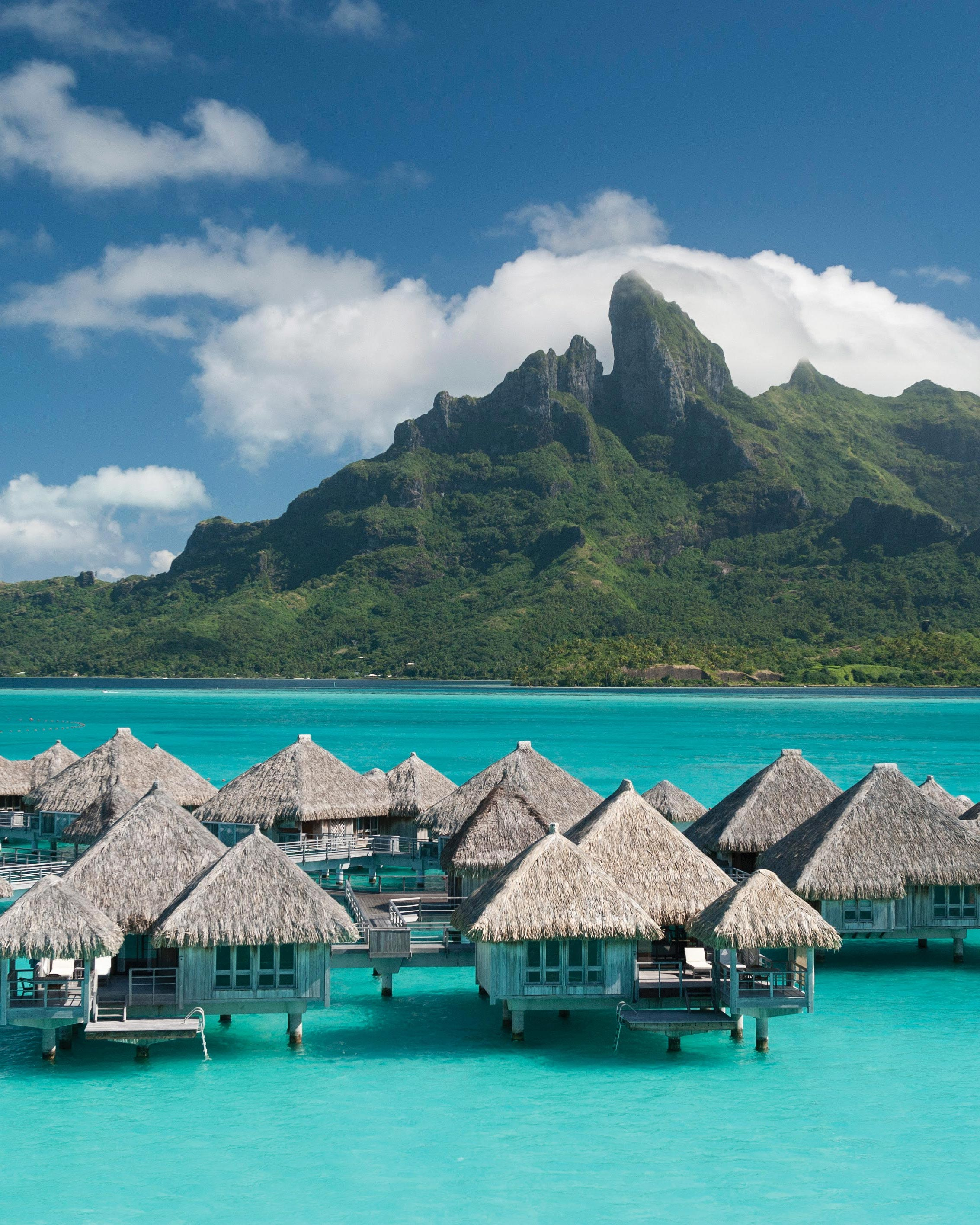 Here's Why Taking a Summer Honeymoon Is the Best Idea