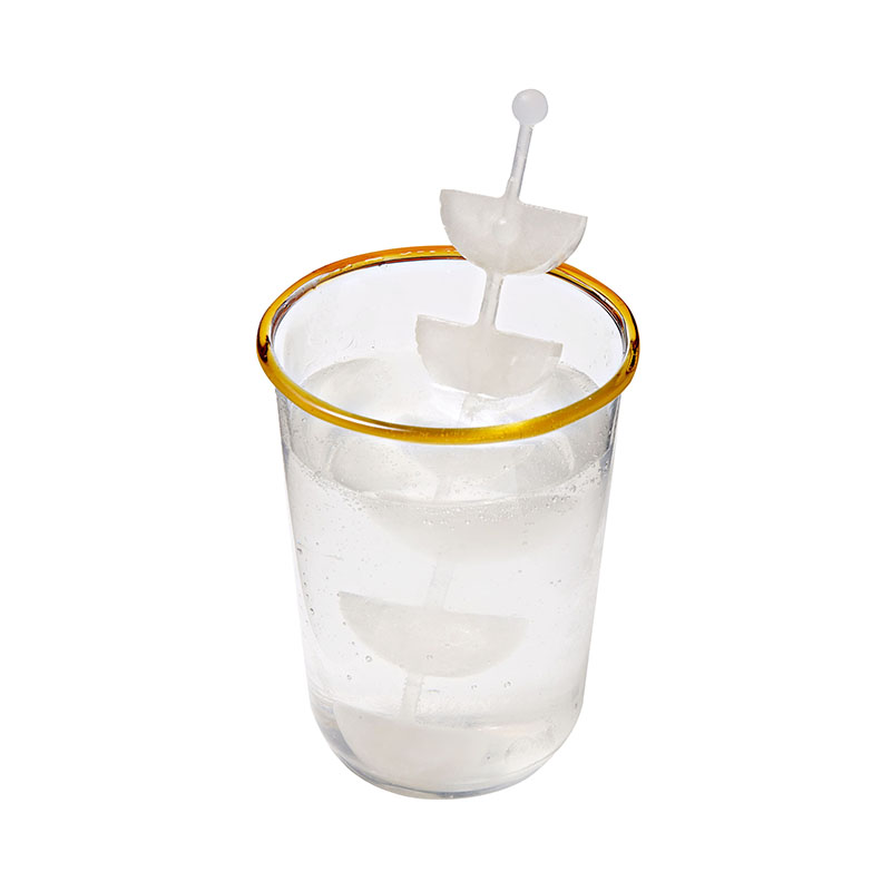 ice stirrer with ice fruit slices