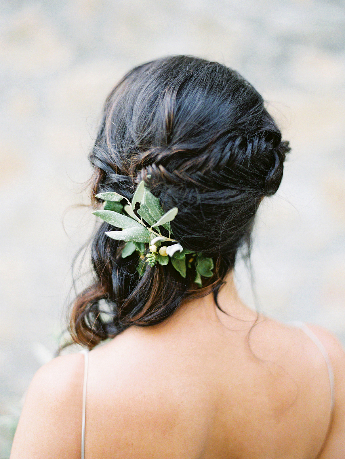 kelly pete wedding brides hairstyle with leaf sprigs