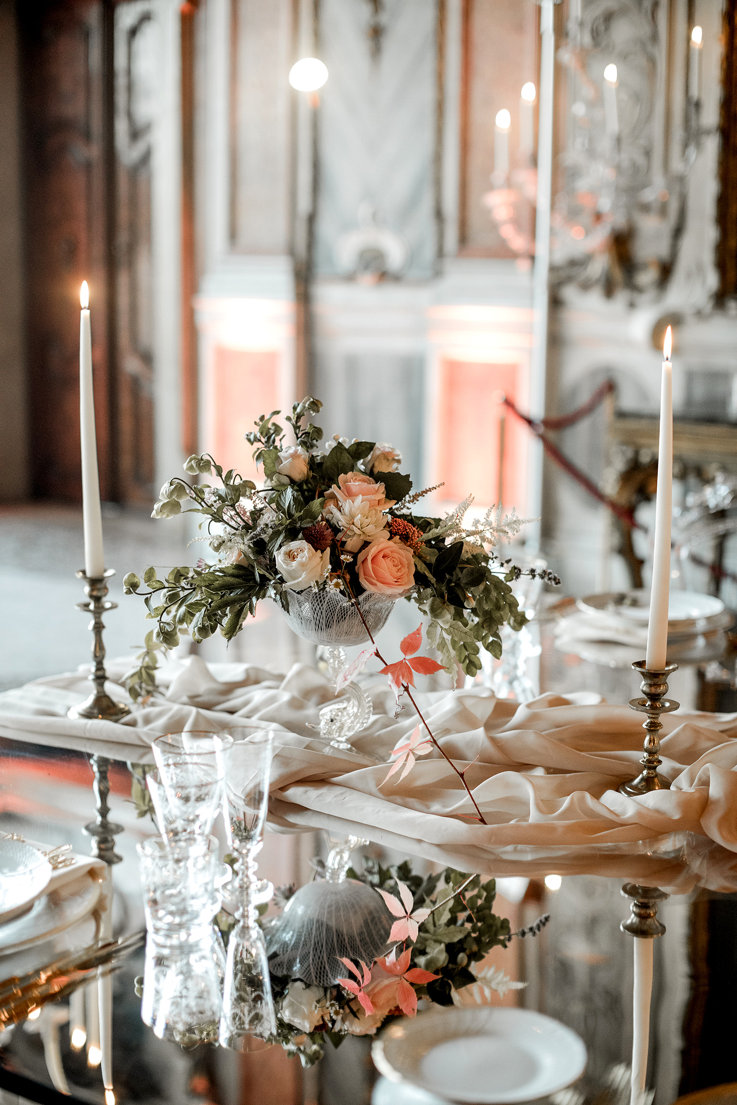 elle raymond venice wedding table centerpiece